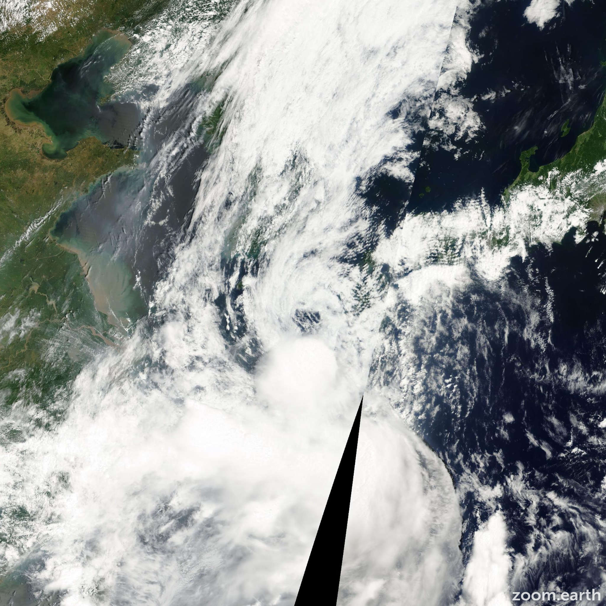 Satellite image of Storm Bolaven 2000