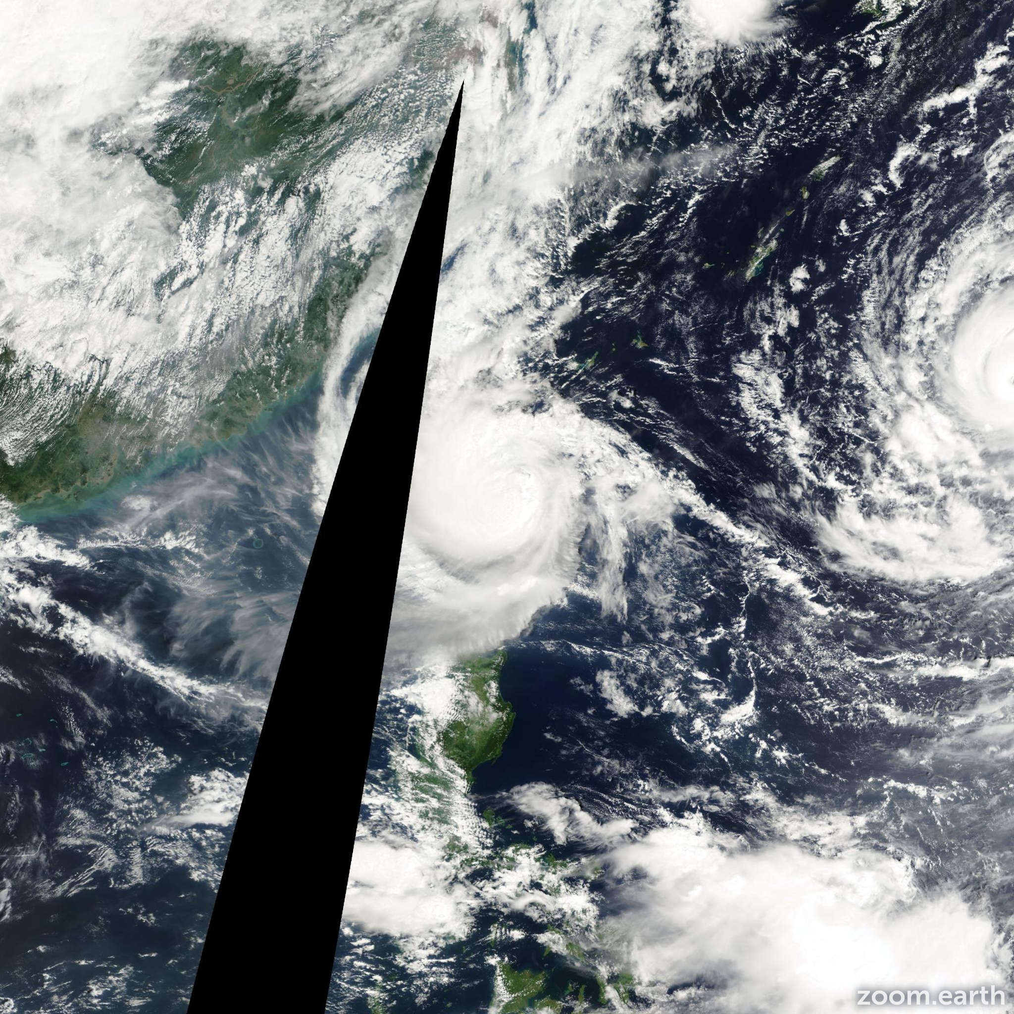 Satellite image of Storm Bopha 2000
