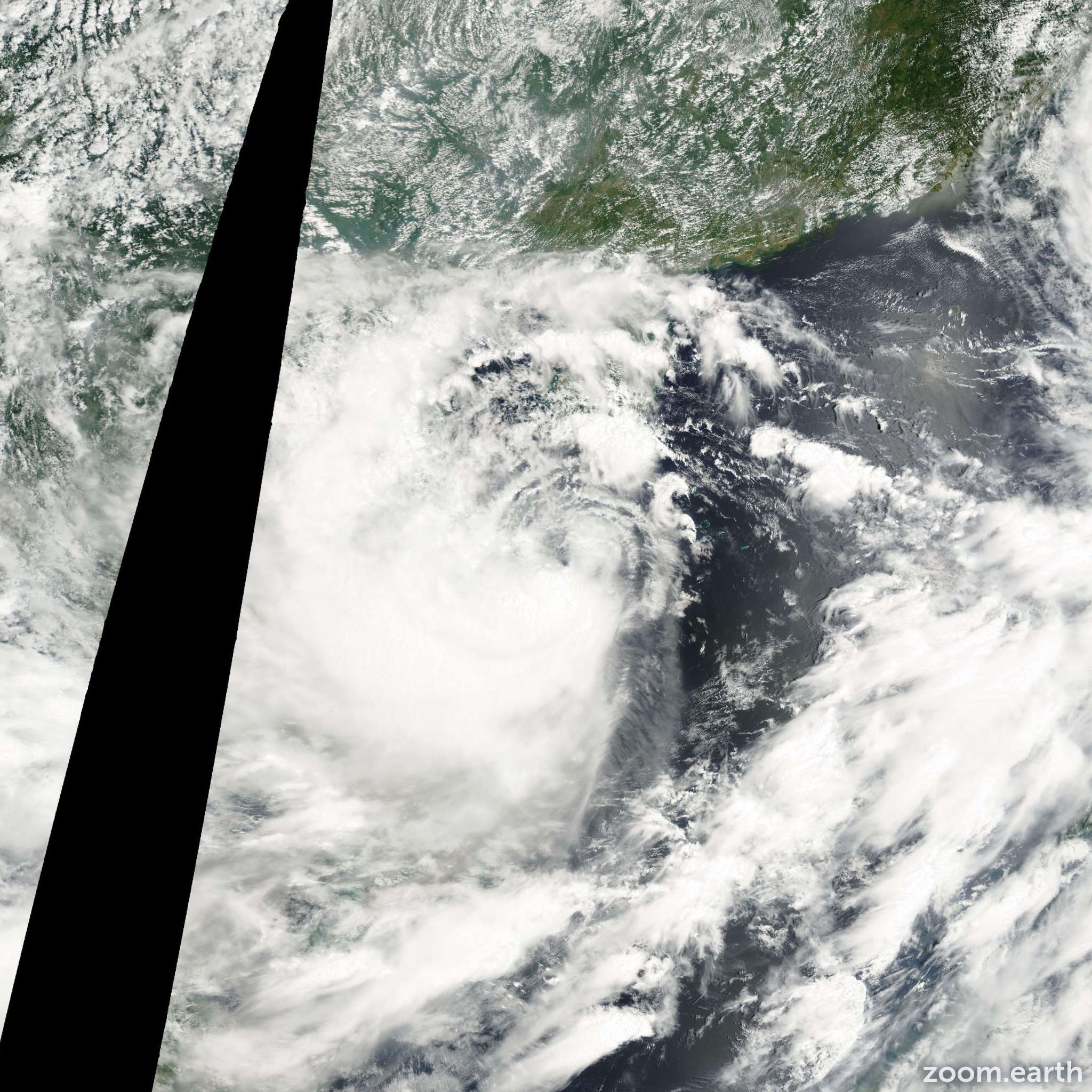 Satellite image of Storm Kaemi 2000