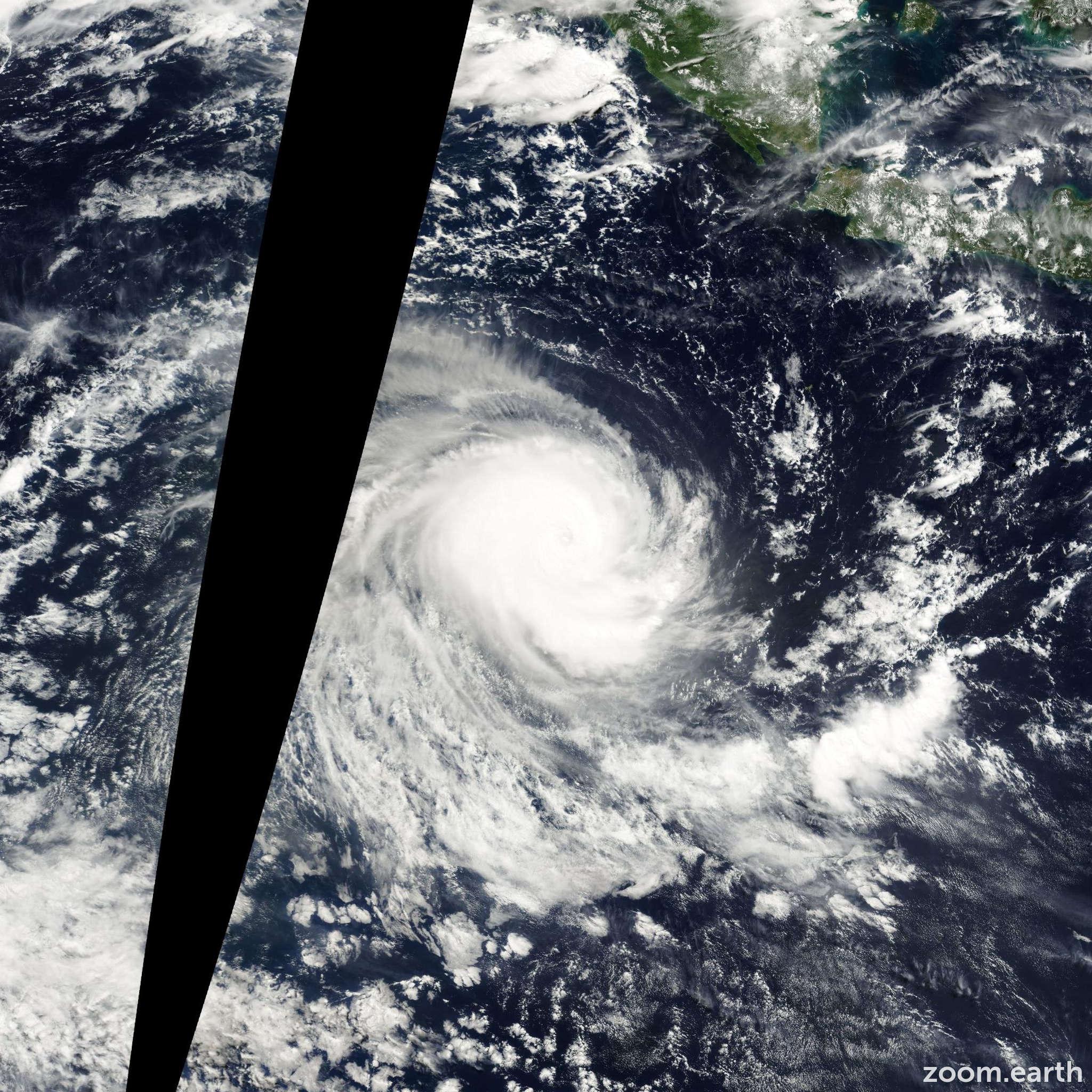 Satellite image of Cyclone Paul 2000