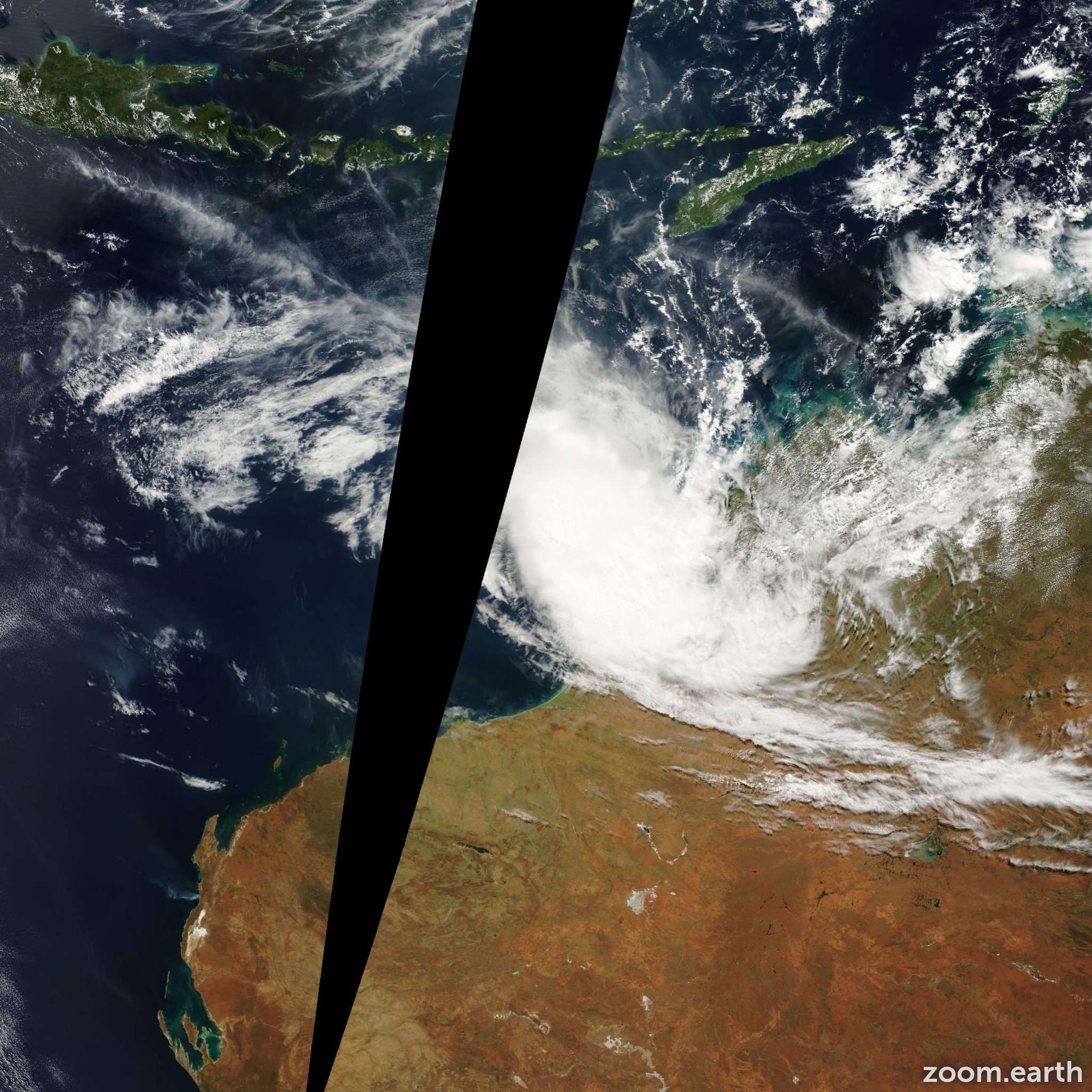 Satellite image of Cyclone Alistair 2001