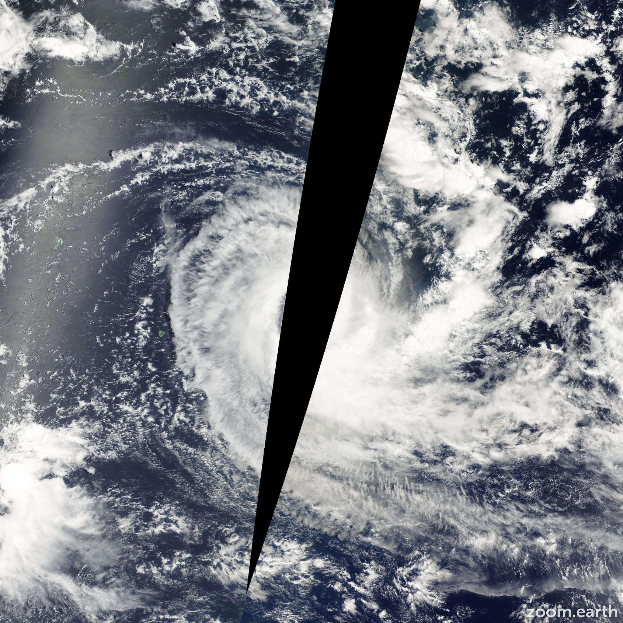 Satellite image of Cyclone Bindu 2001