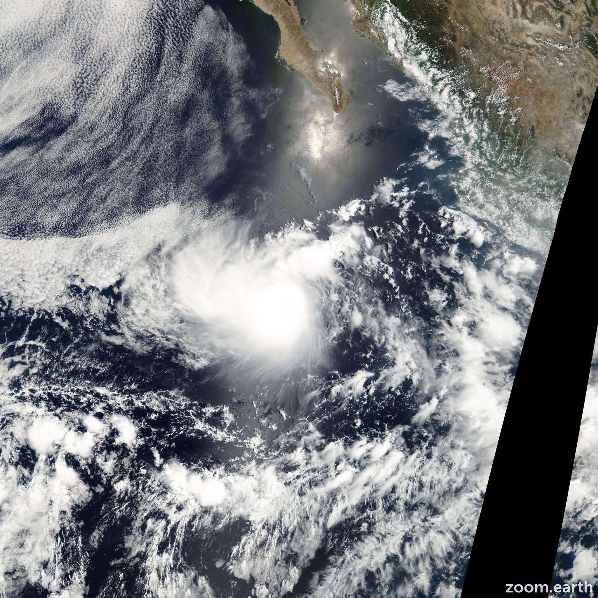 Satellite image of Storm Cosme 2001