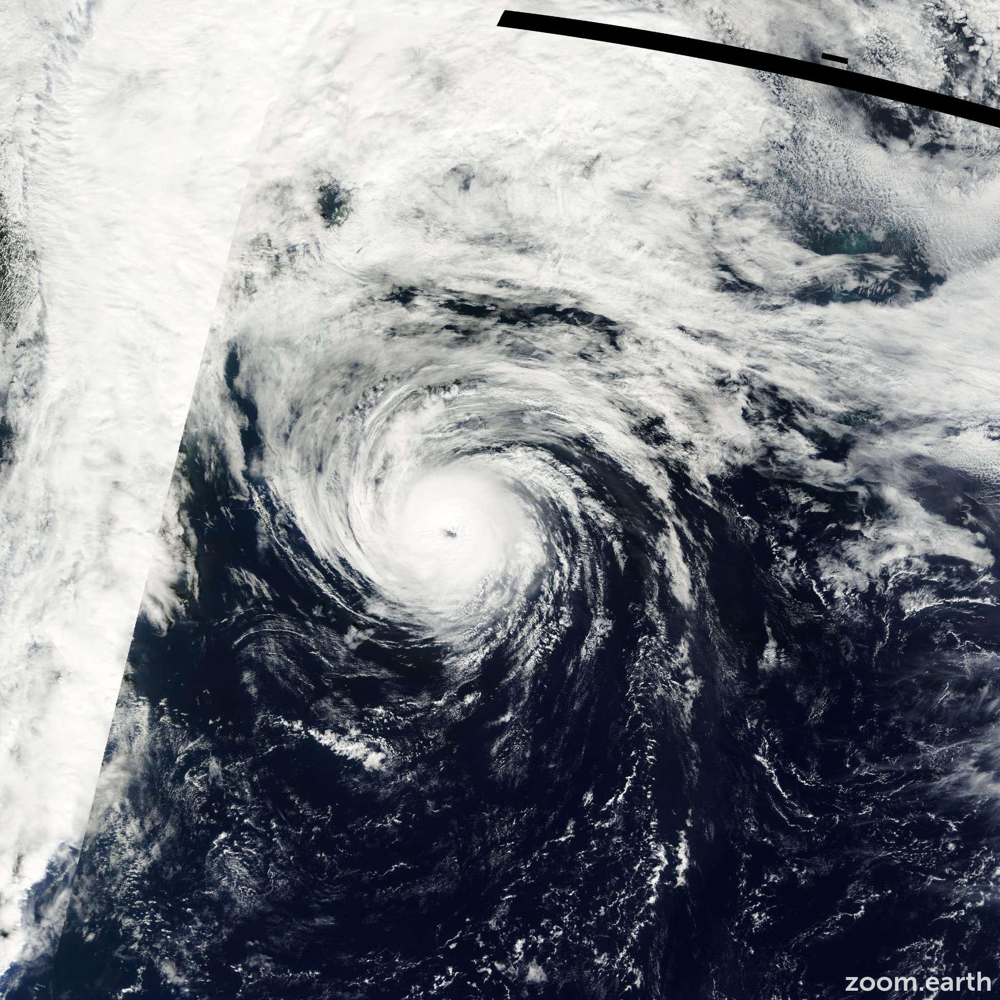 Satellite image of Hurricane Humberto 2001