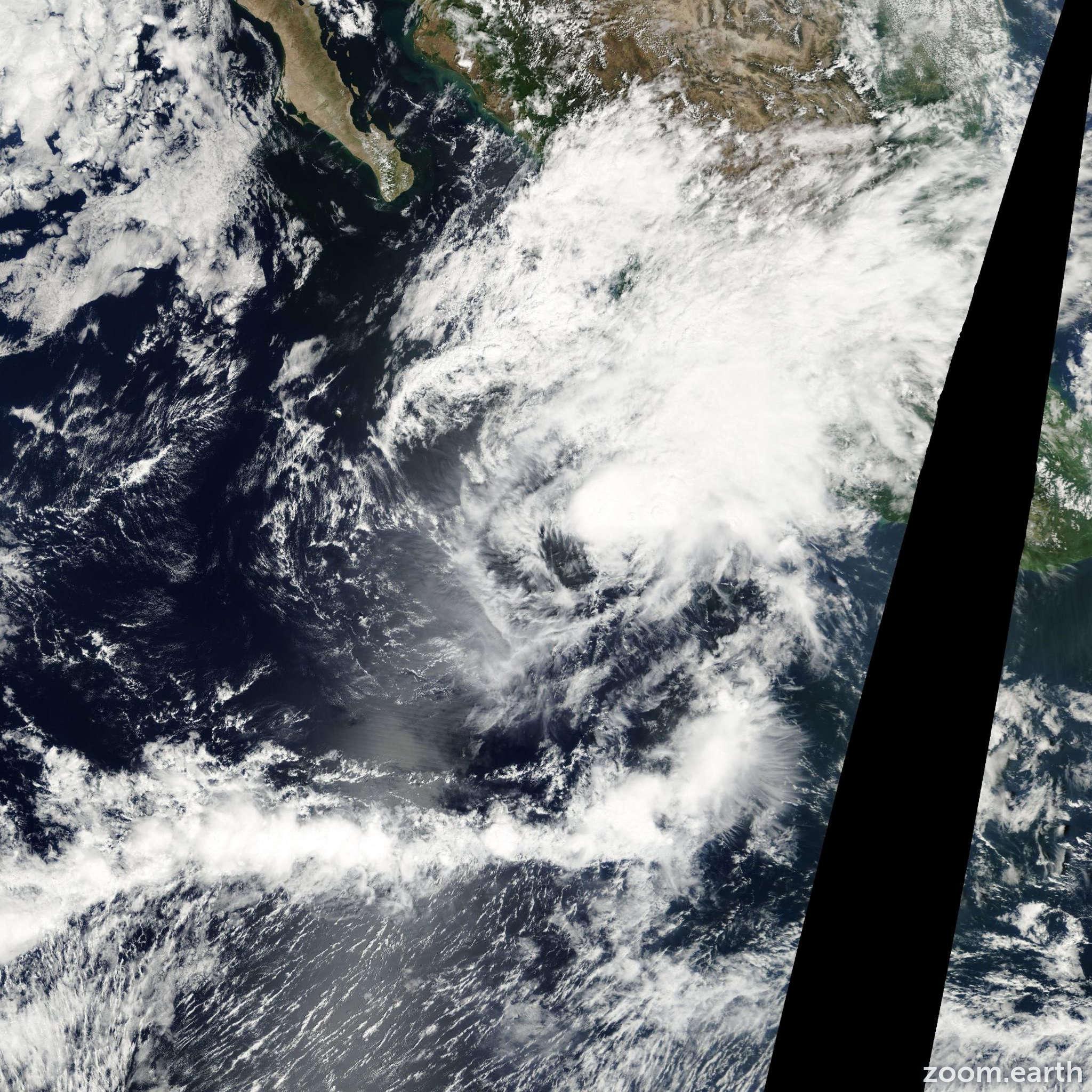Satellite image of Storm Lorena 2001