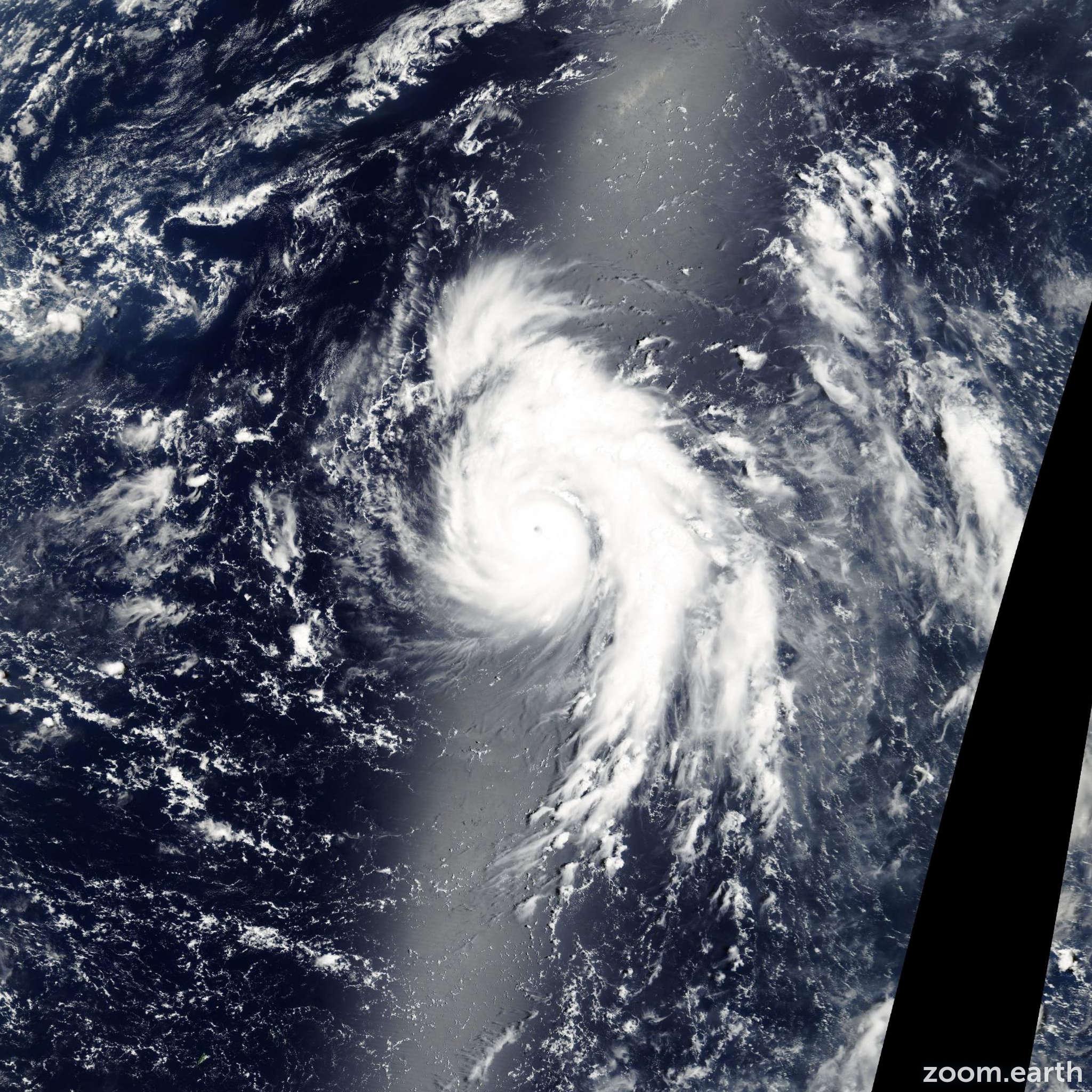 Satellite image of Typhoon Man-Yi 2001