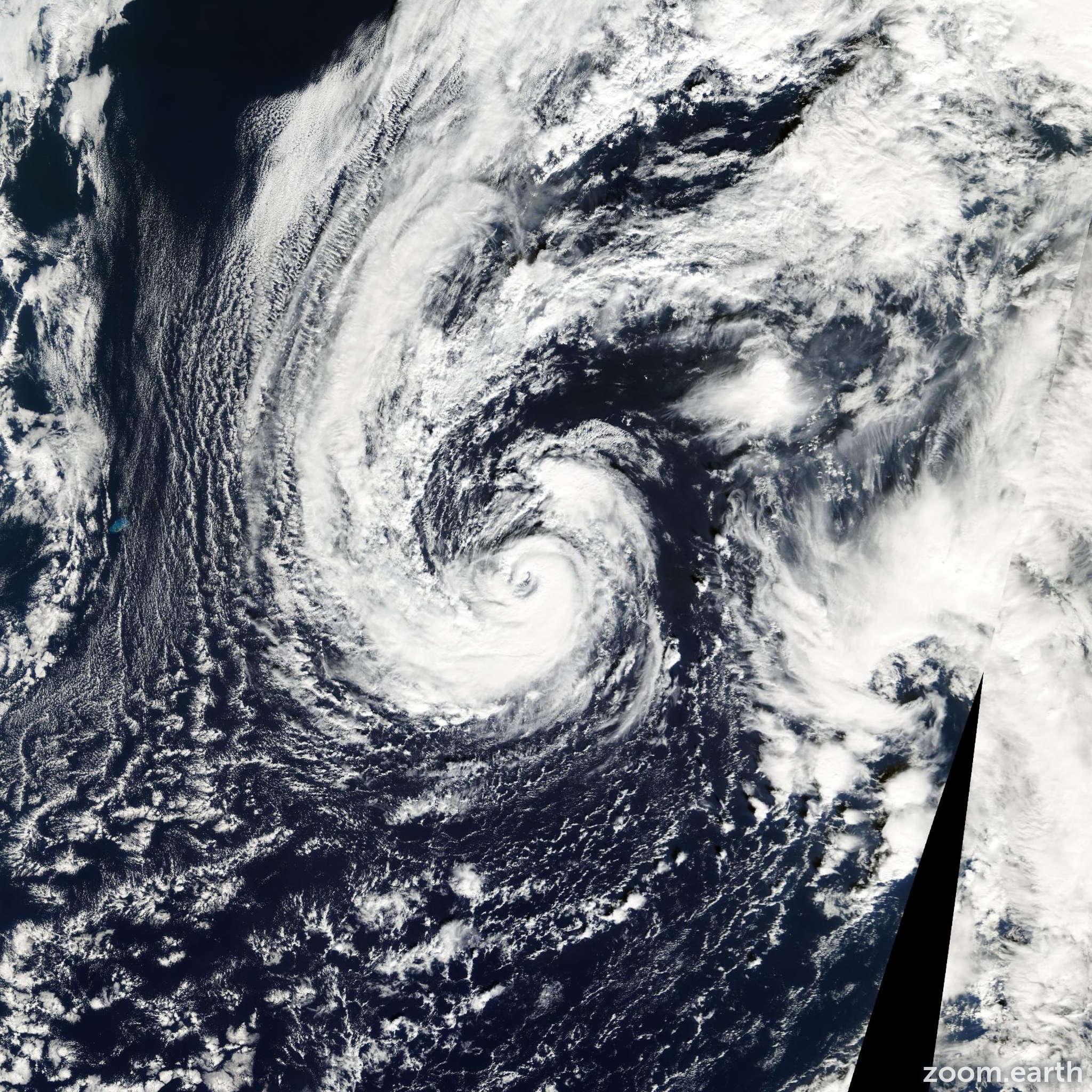 Satellite image of Hurricane Olga 2001