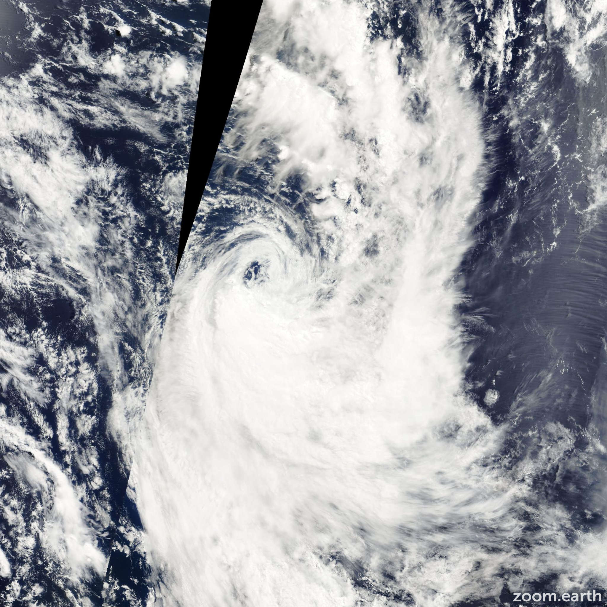 Satellite image of Cyclone Oma 2001