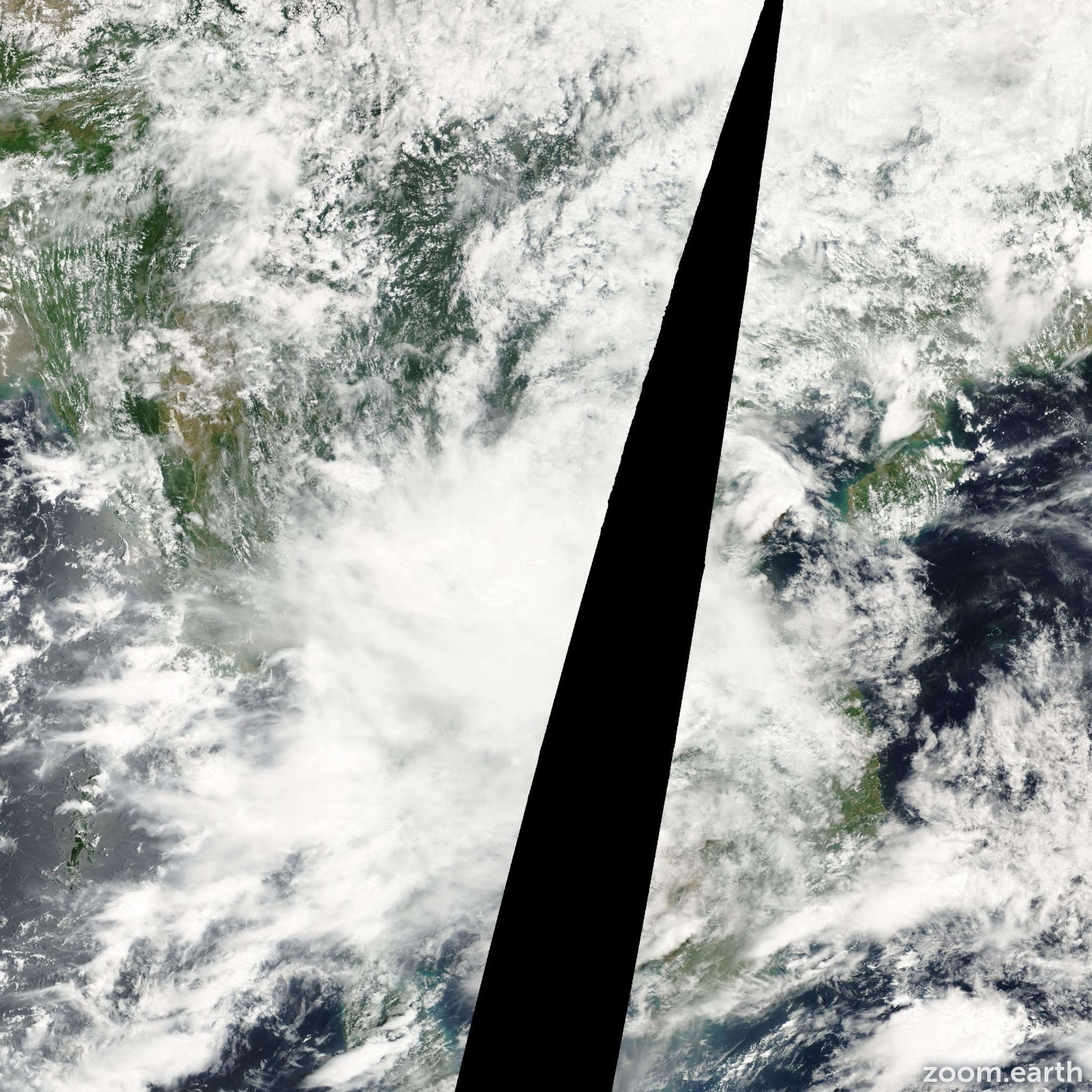 Satellite image of Storm Usagi 2001
