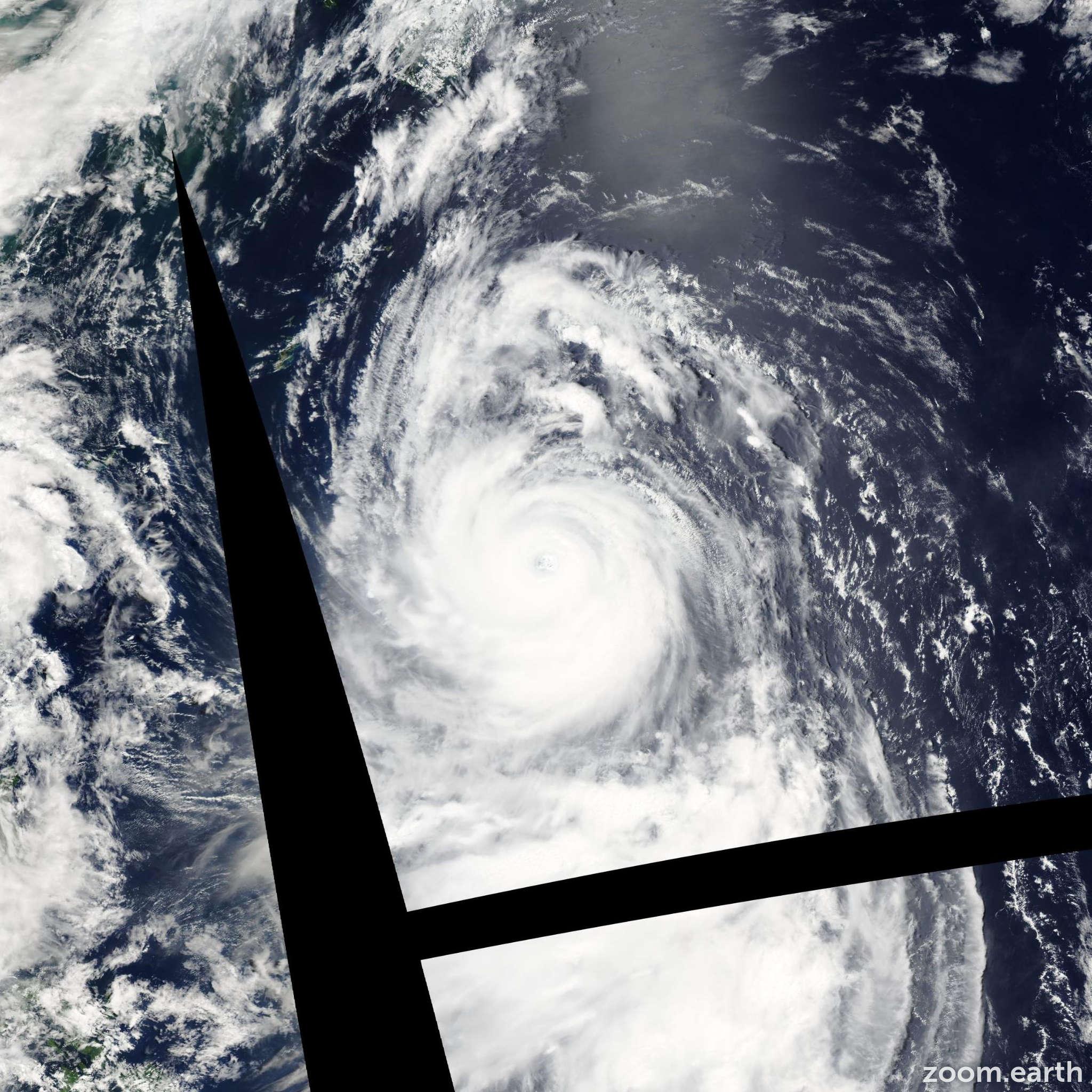 Satellite image of Typhoon Chataan 2002