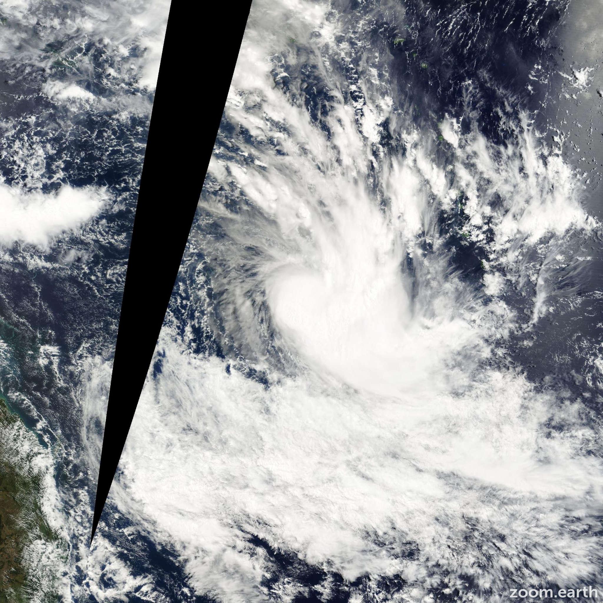 Satellite image of Cyclone Des 2002