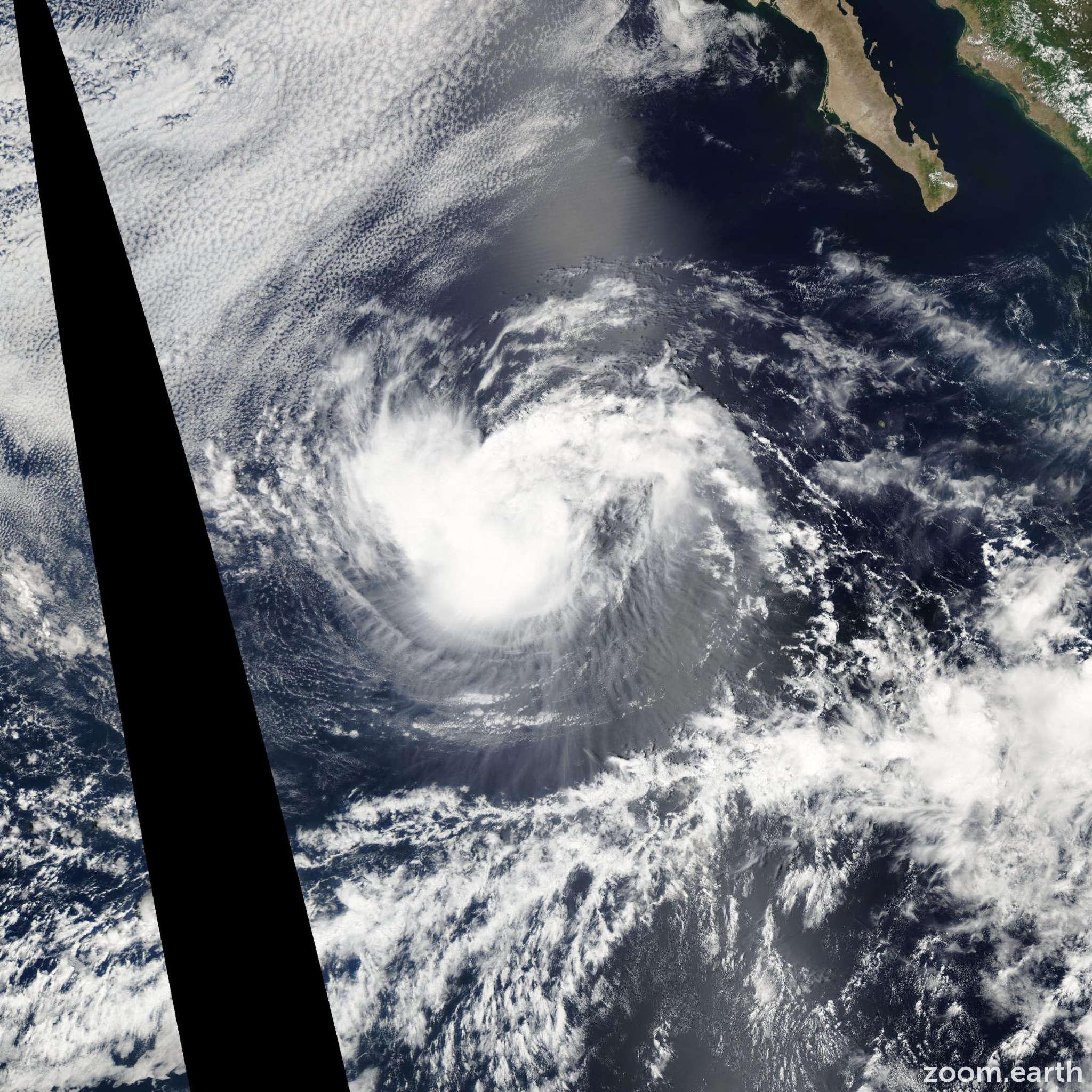Satellite image of Storm Genevieve 2002