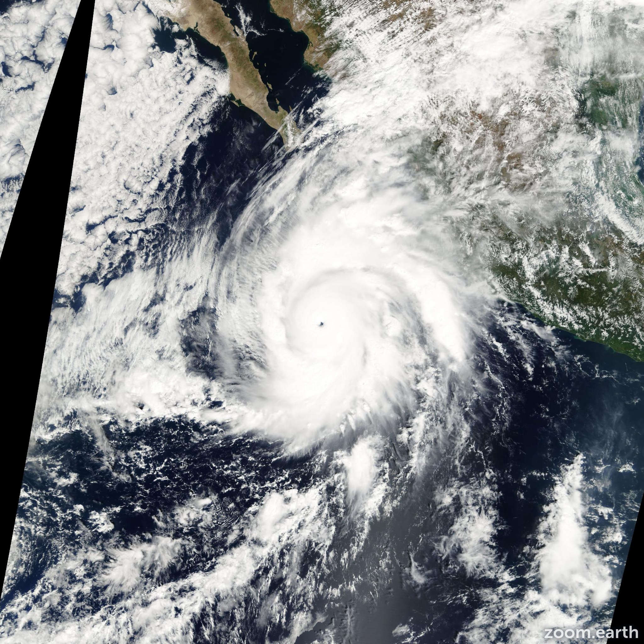 Satellite image of Hurricane Kenna 2002