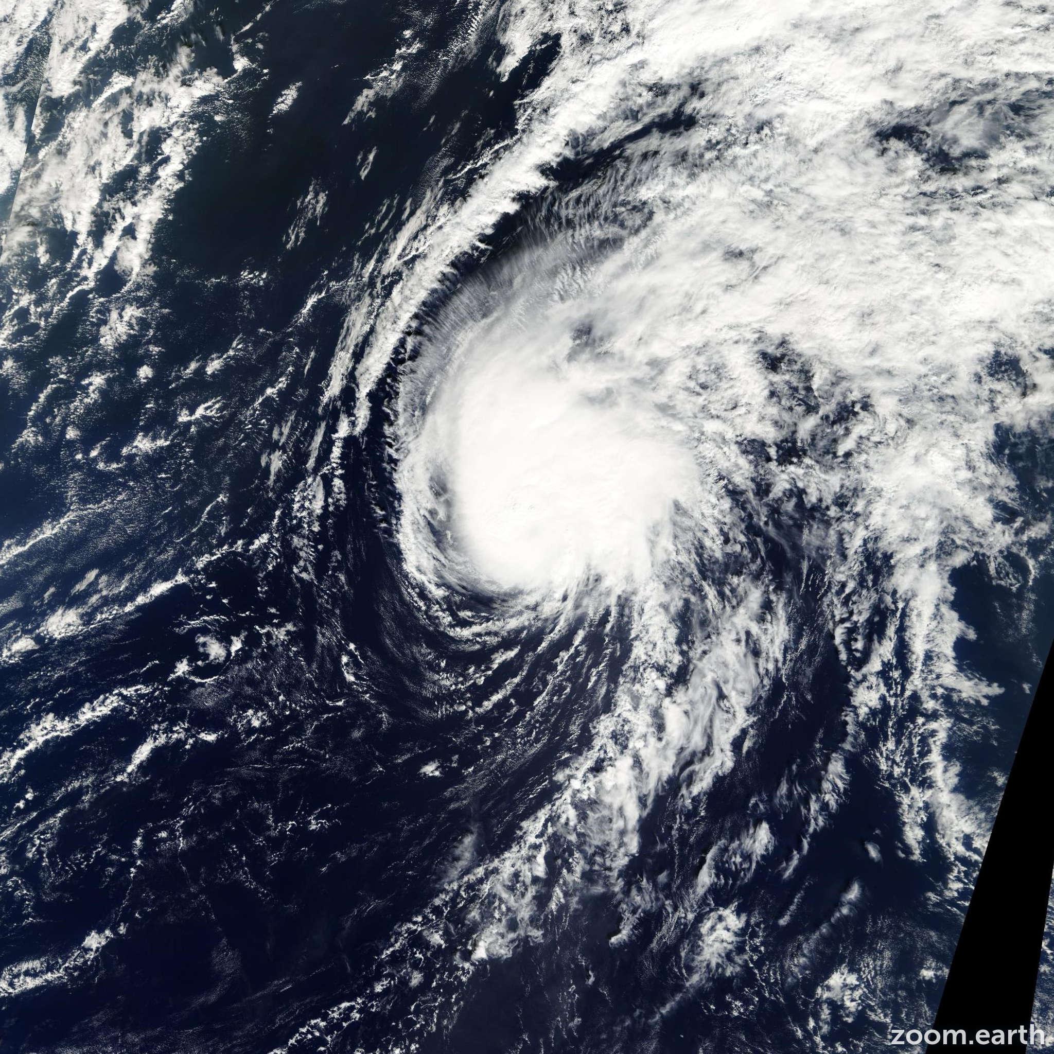Satellite image of Typhoon Maysak 2002