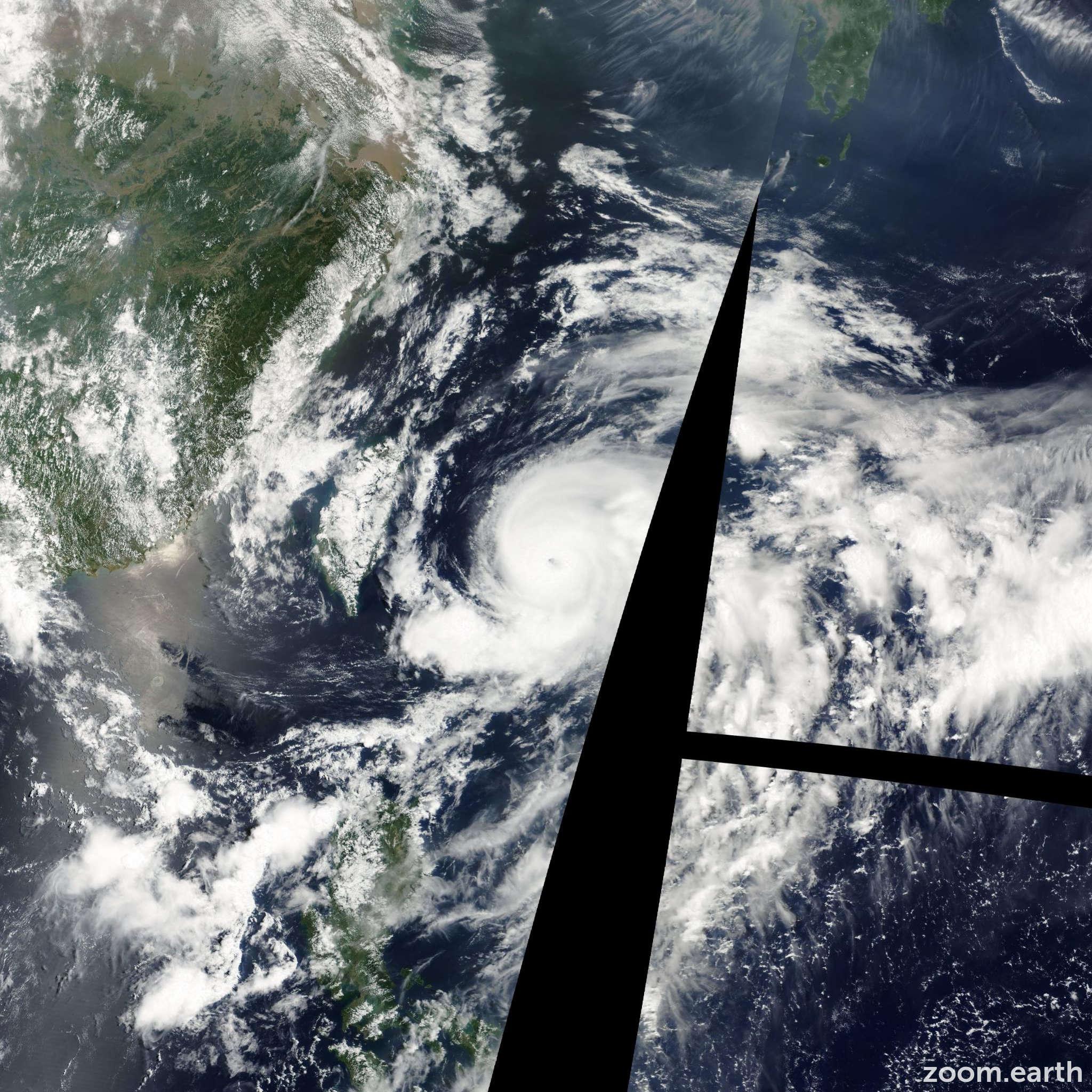 Satellite image of Typhoon Noguri 2002