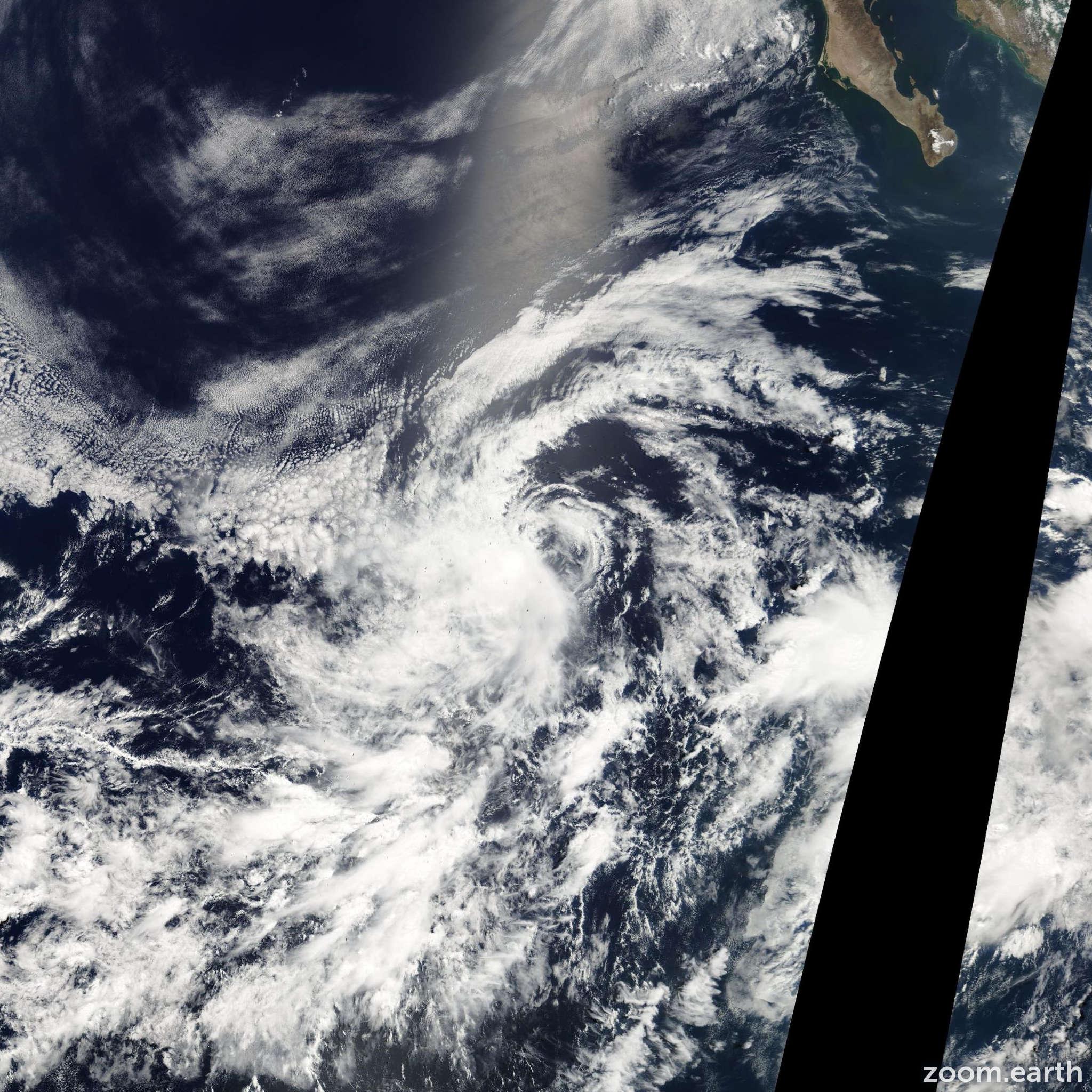 Satellite image of Storm Dolores 2003
