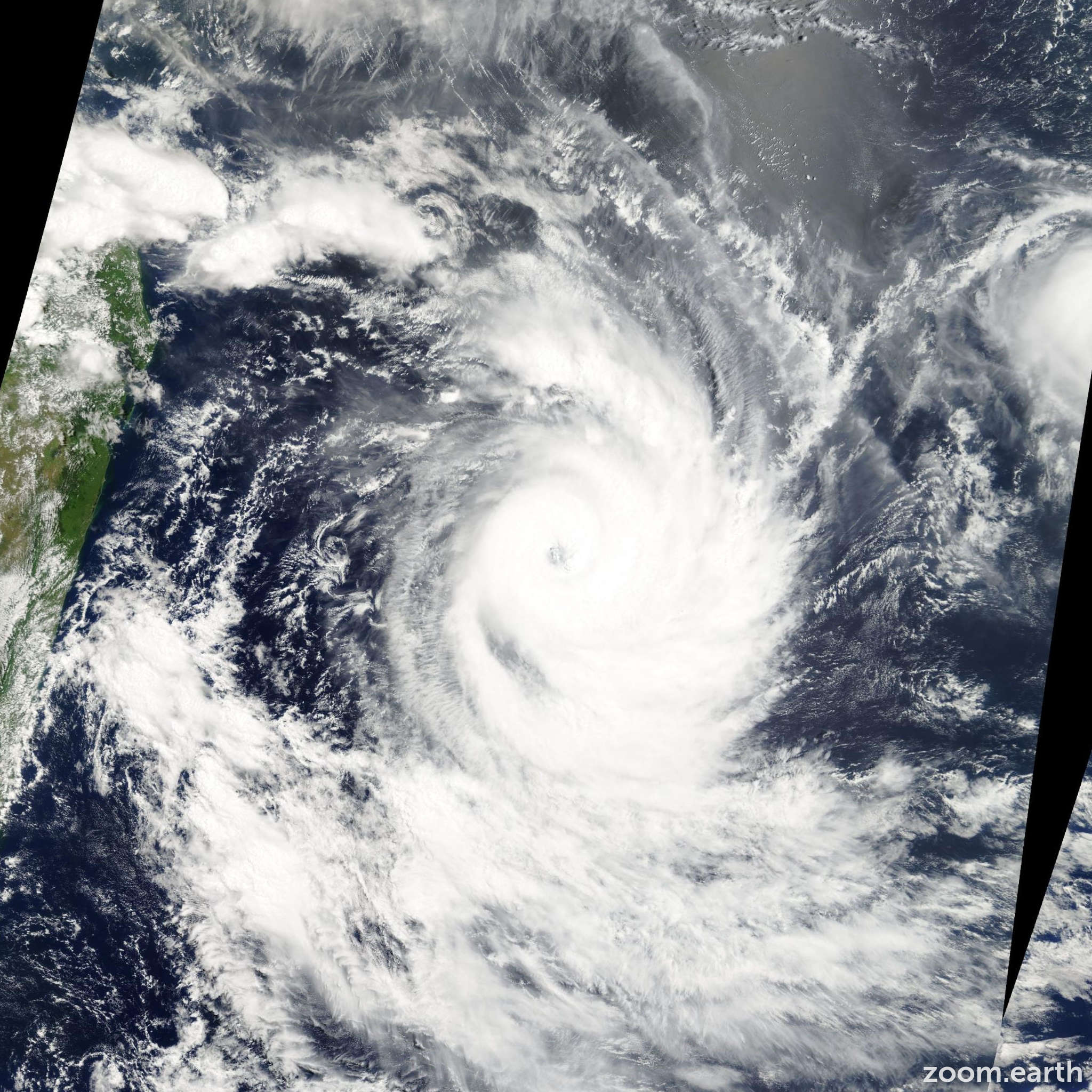 Satellite image of Cyclone Gerry 2003
