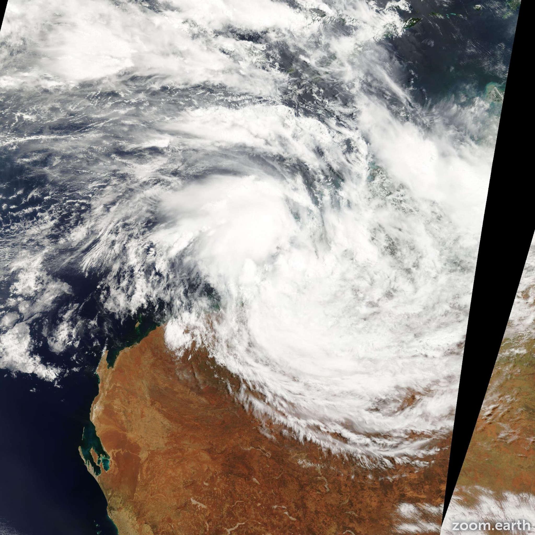 Satellite image of Cyclone Graham 2003