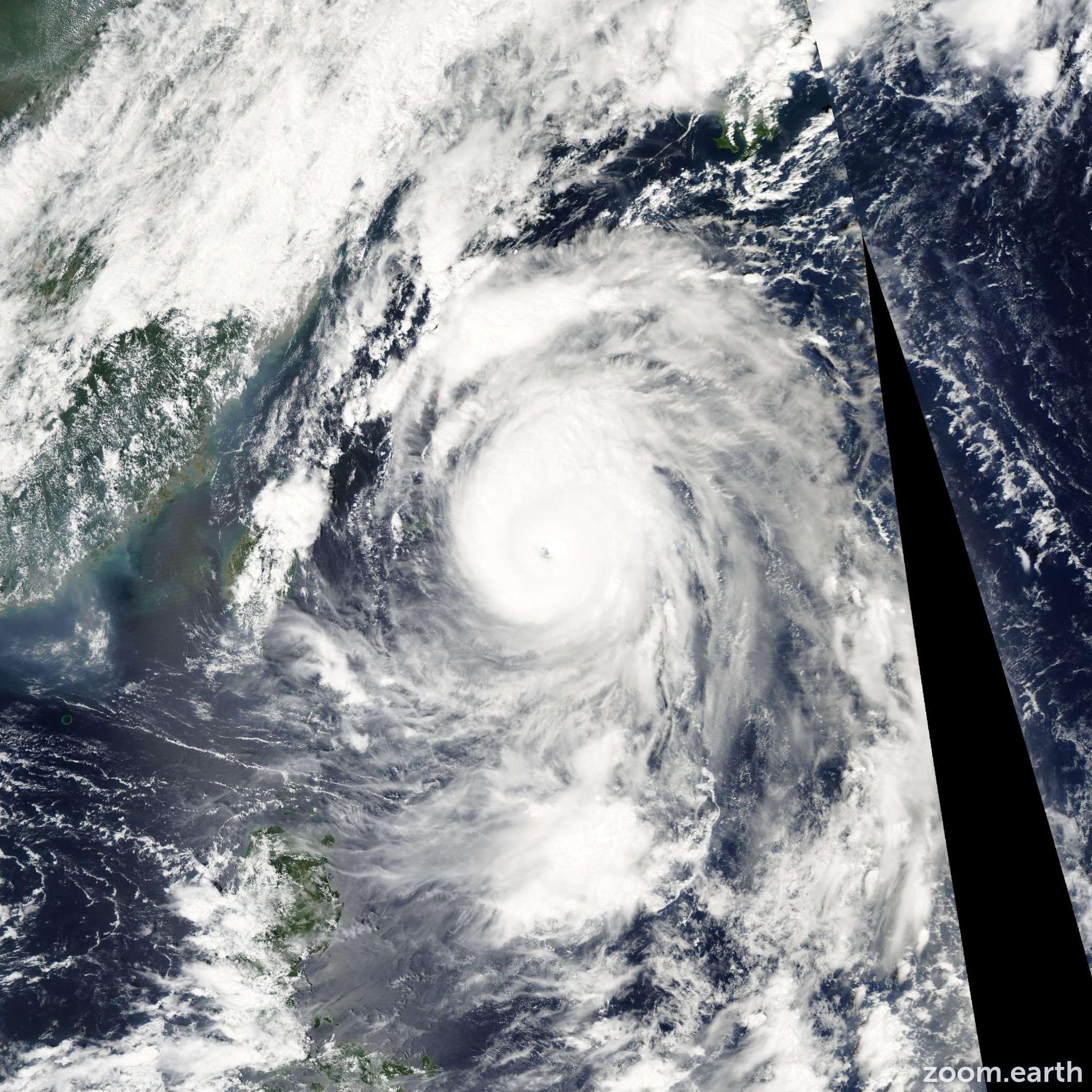 Satellite image of Typhoon Maemi 2003