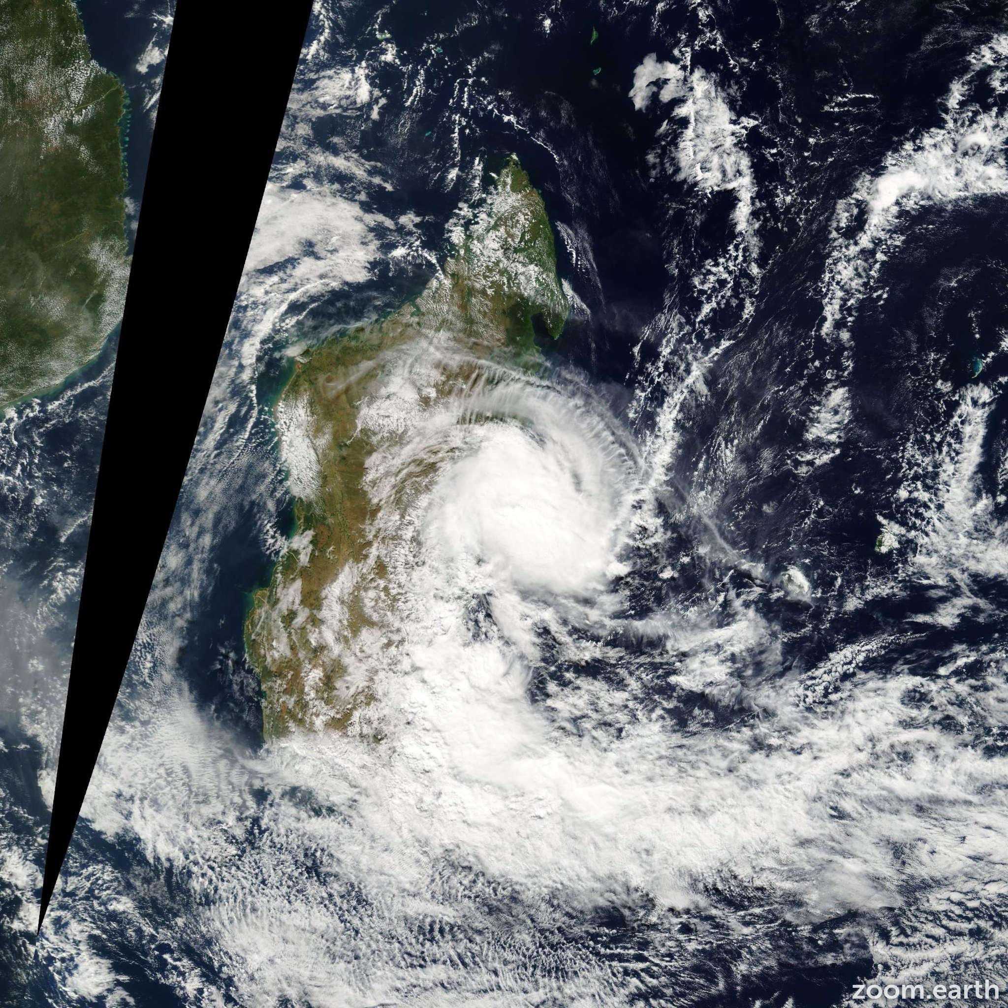 Satellite image of Cyclone Manou 2003