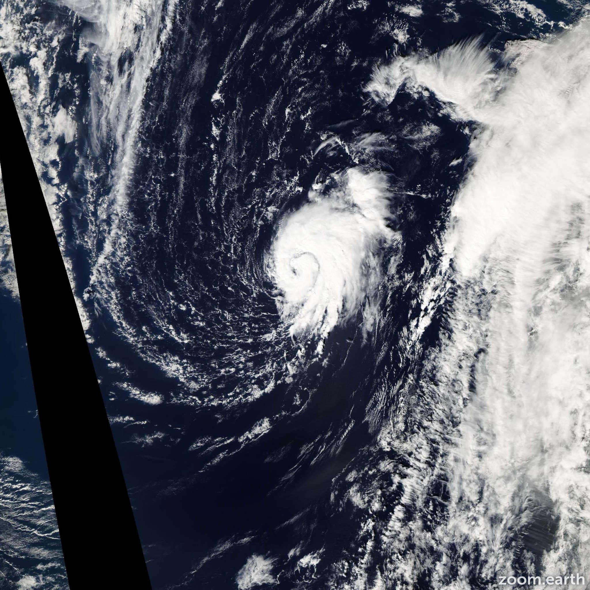 Satellite image of Storm Peter 2003
