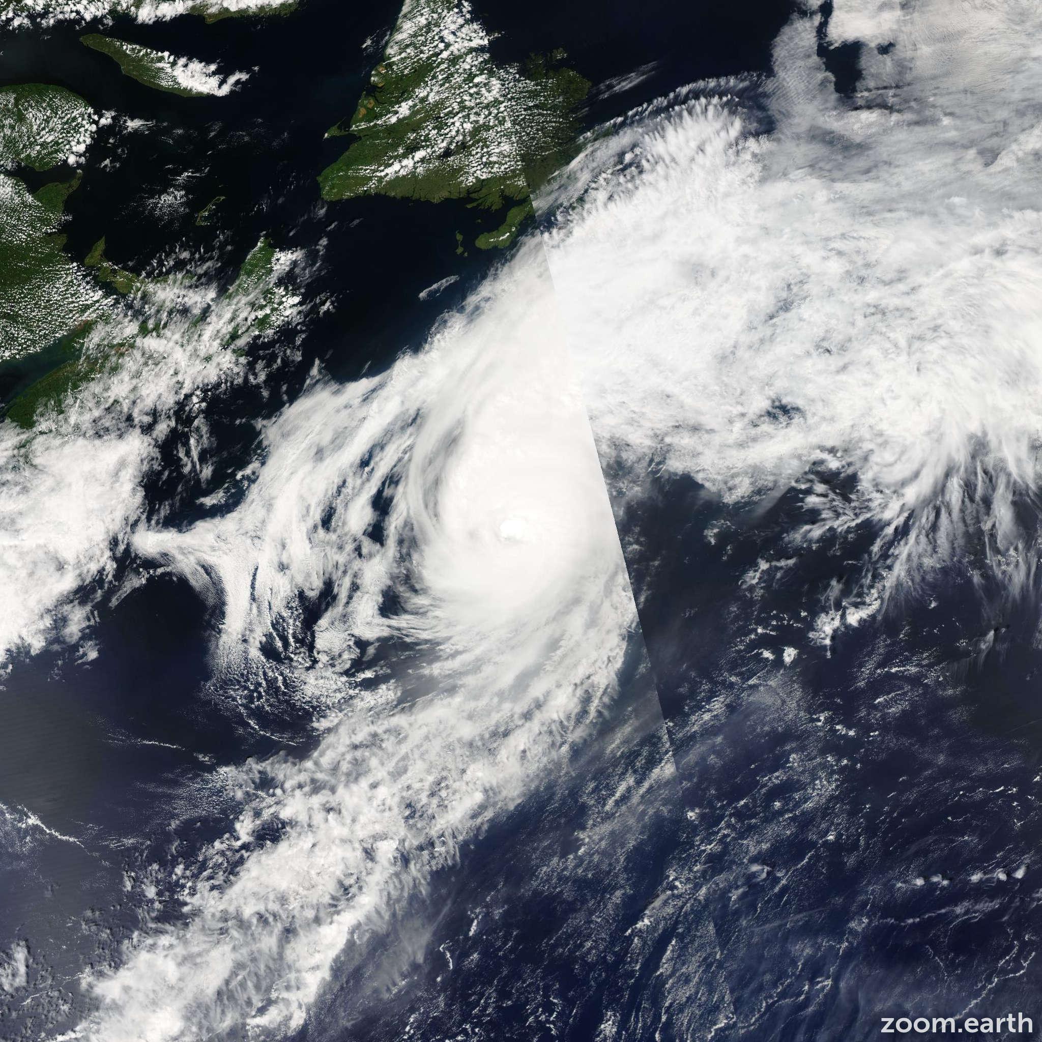 Satellite image of Hurricane Alex 2004
