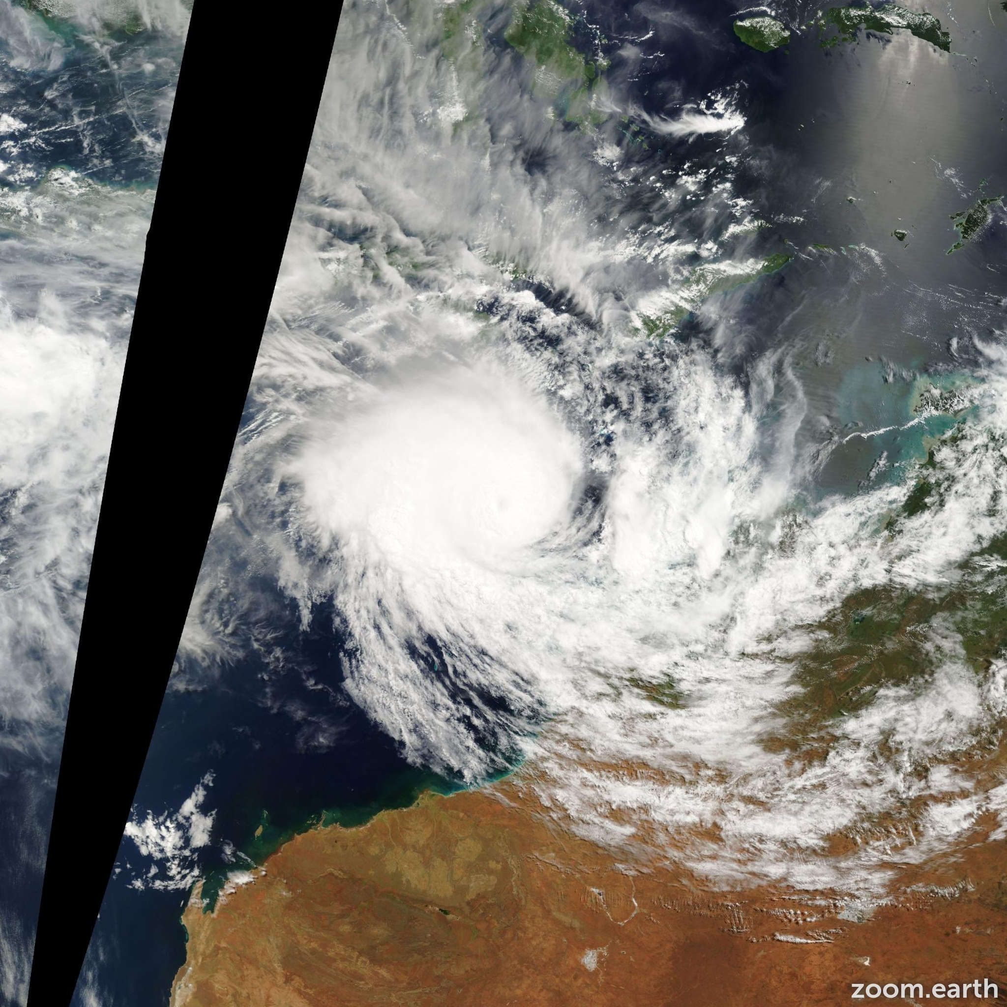 Satellite image of Cyclone Fay 2004