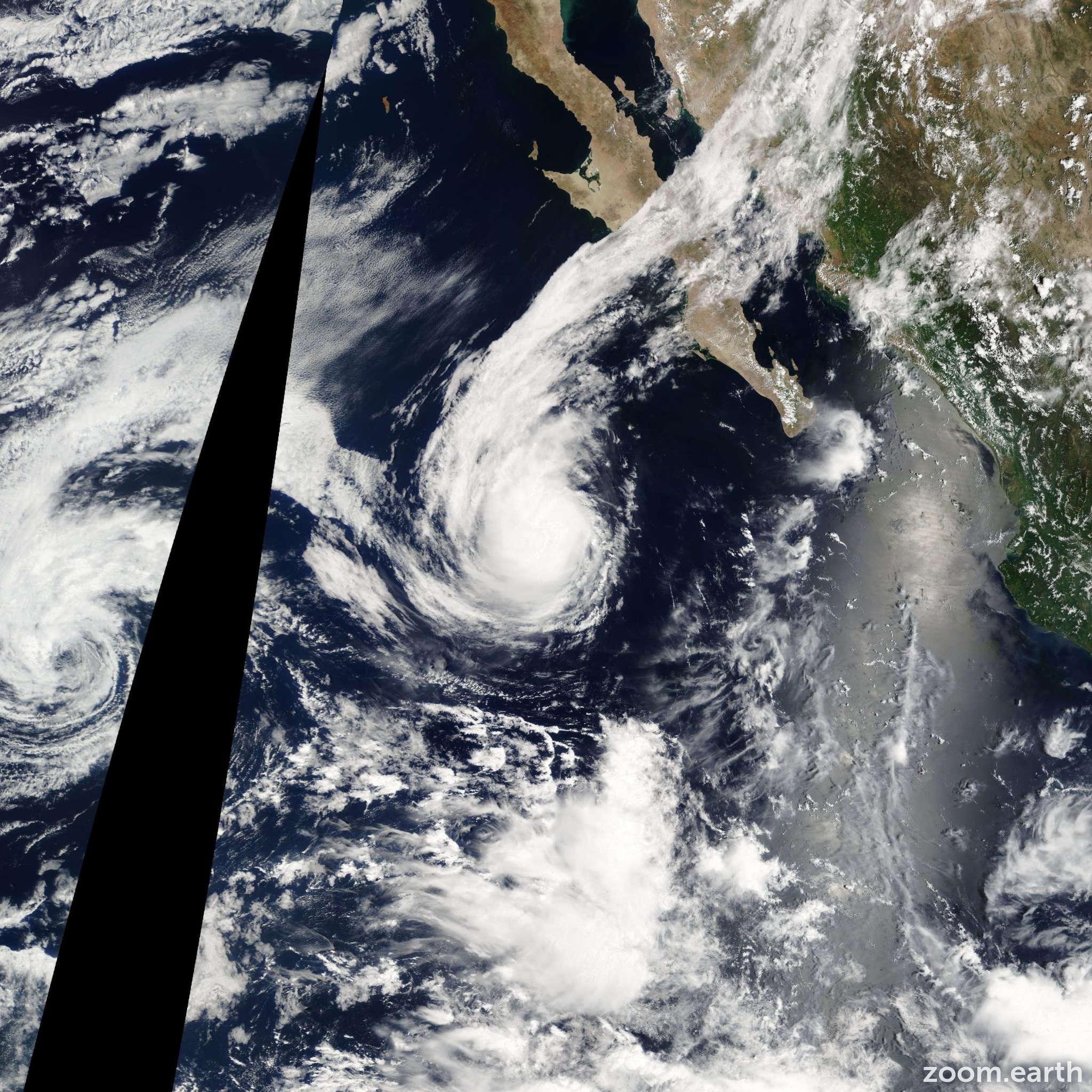Satellite image of Hurricane Frank 2004