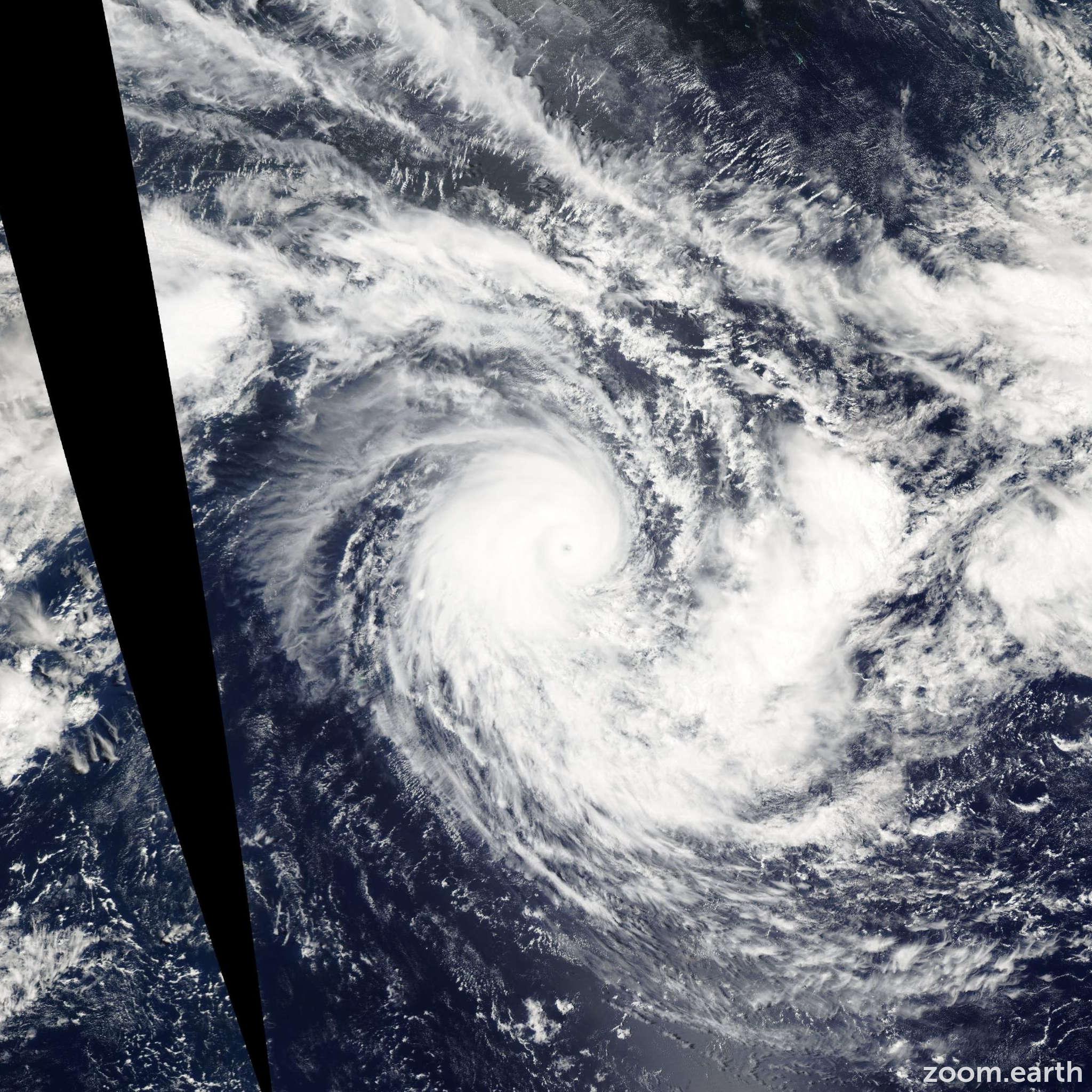 Satellite image of Cyclone Frank 2004