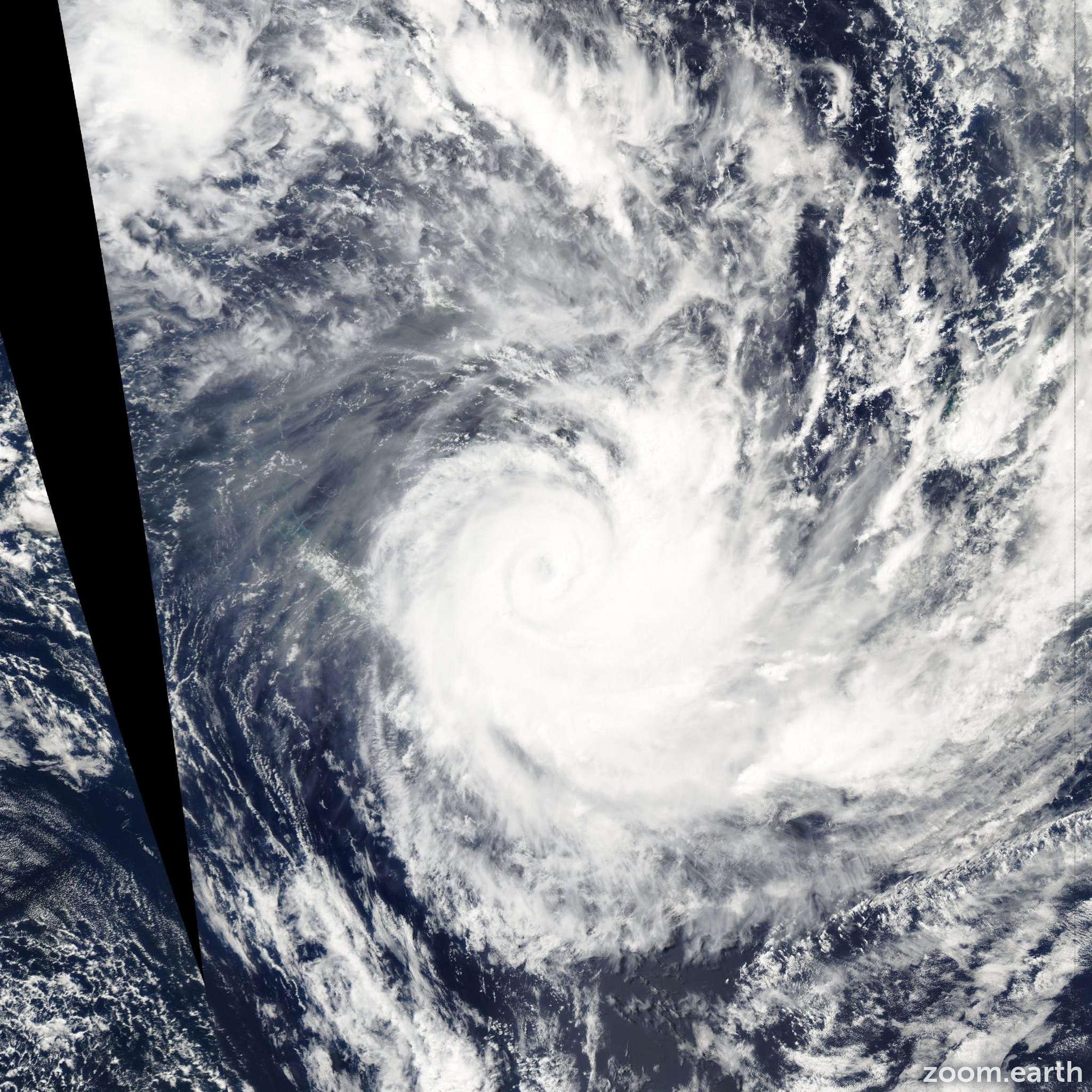 Satellite image of Cyclone Ivy 2004