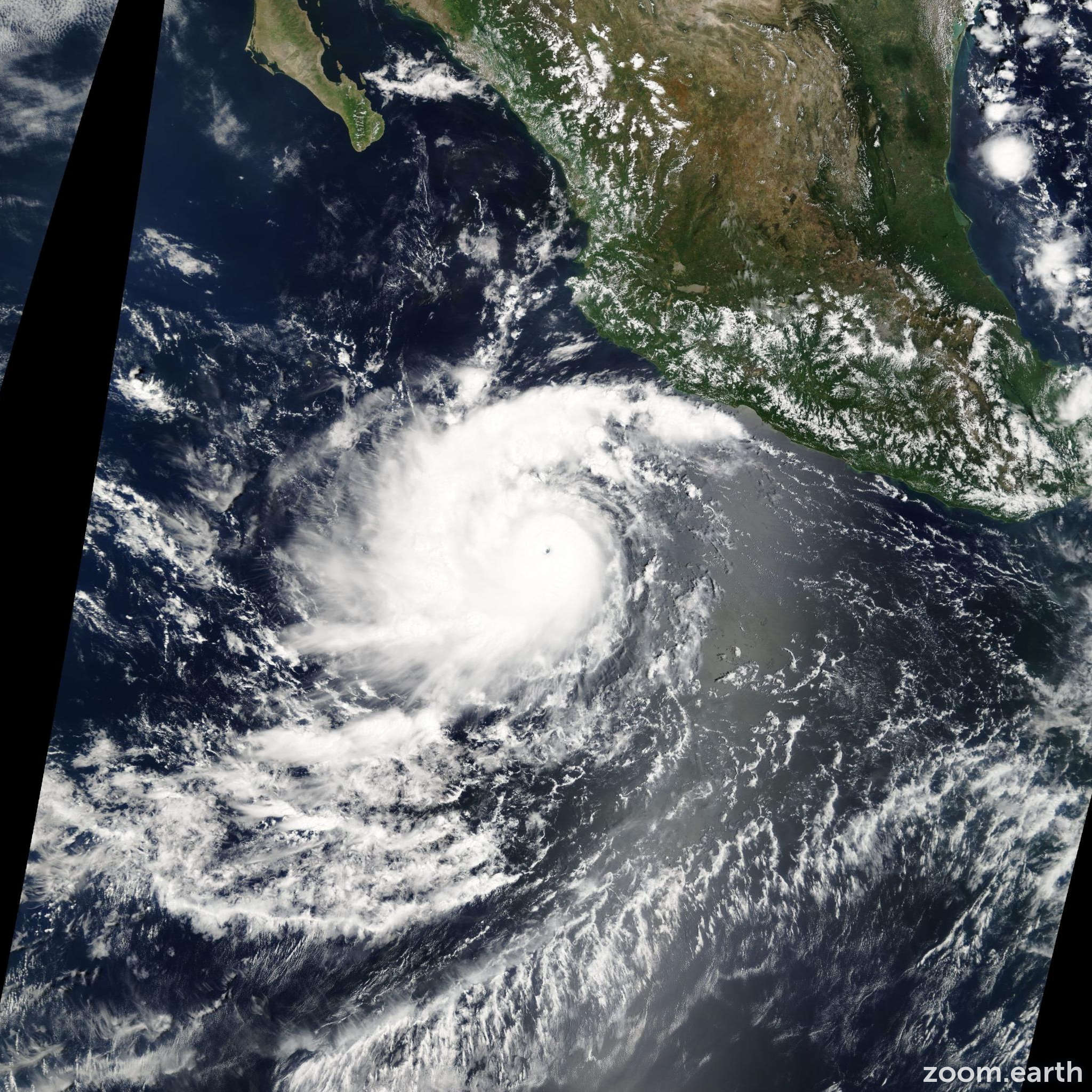 Satellite image of Hurricane Javier 2004