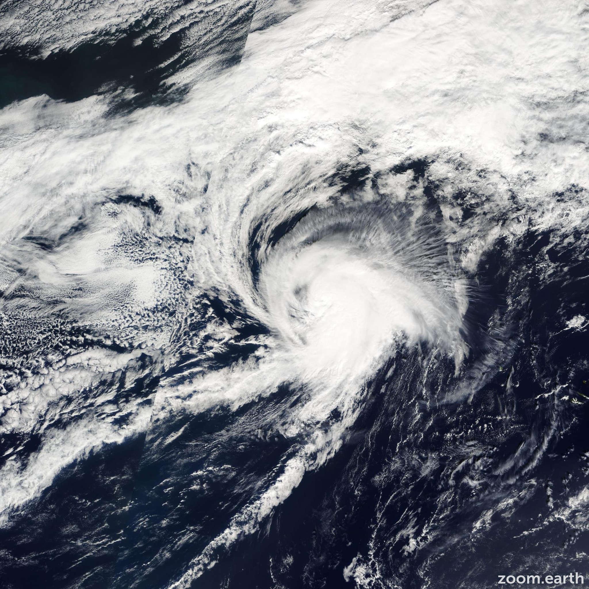 Satellite image of Hurricane Lisa 2004