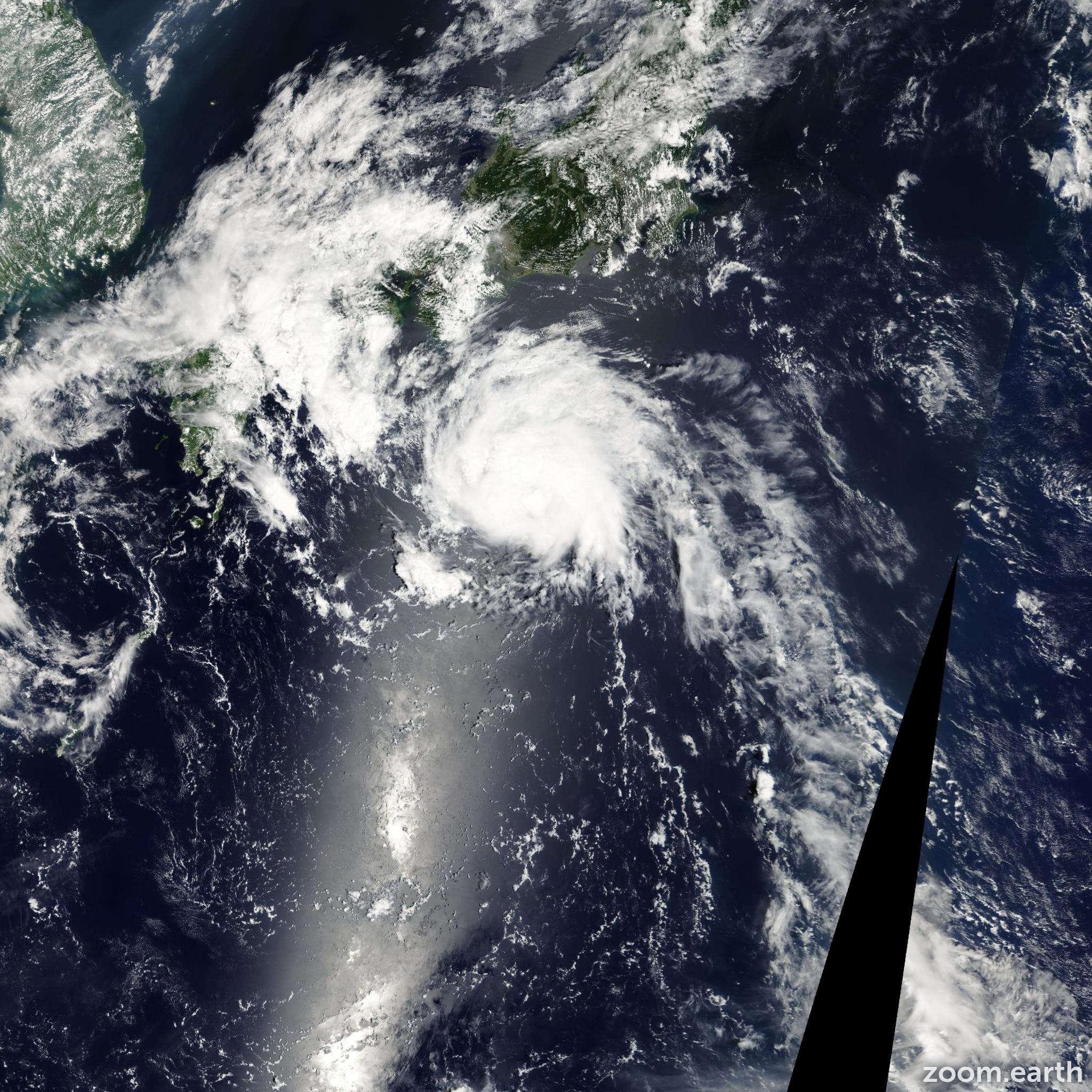 Satellite image of Storm Malou 2004