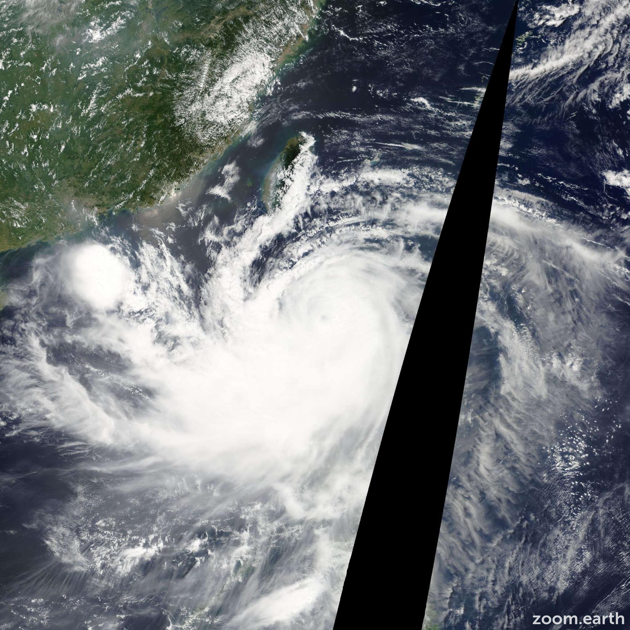 Satellite image of Typhoon Mindulle 2004