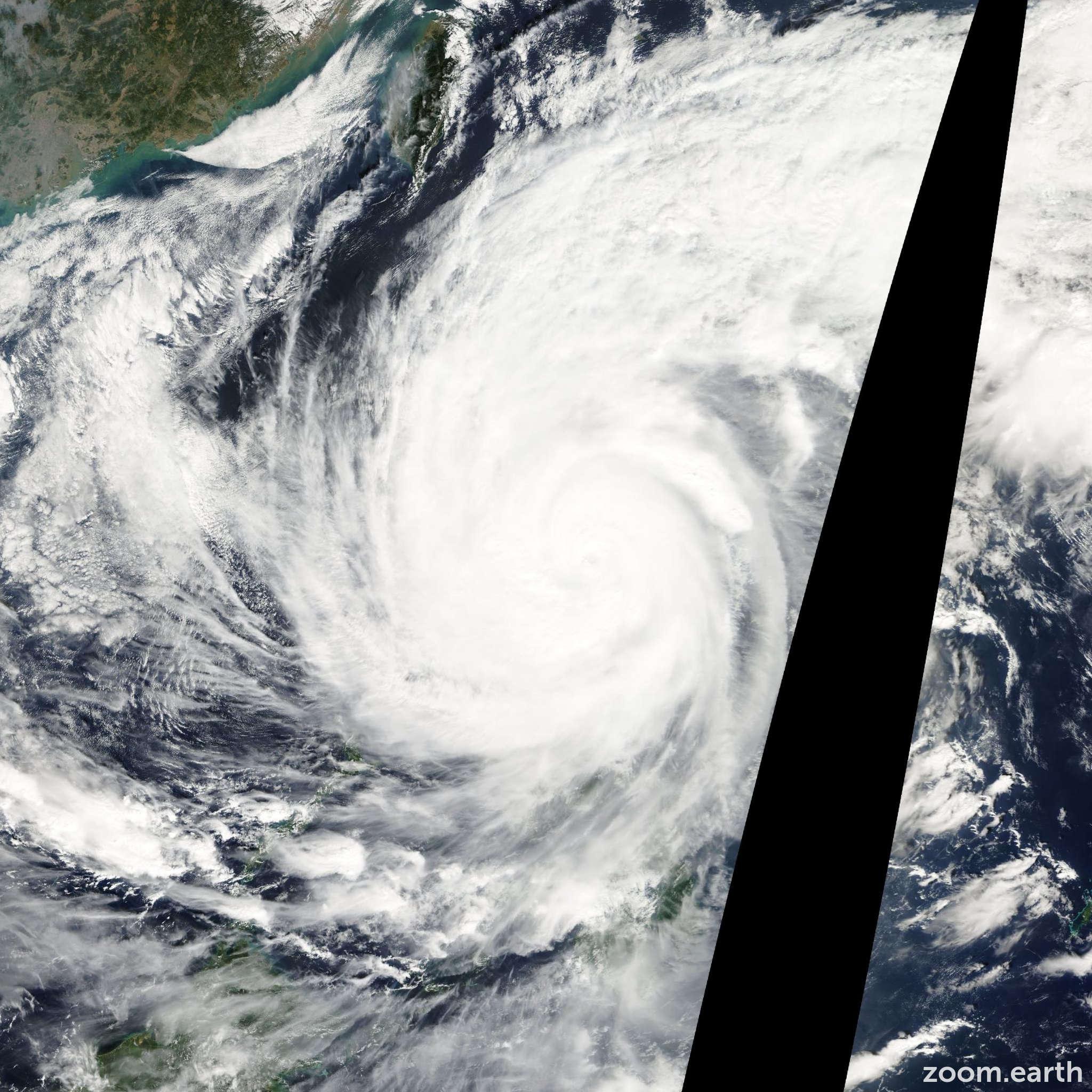 Satellite image of Typhoon Nanmadol 2004