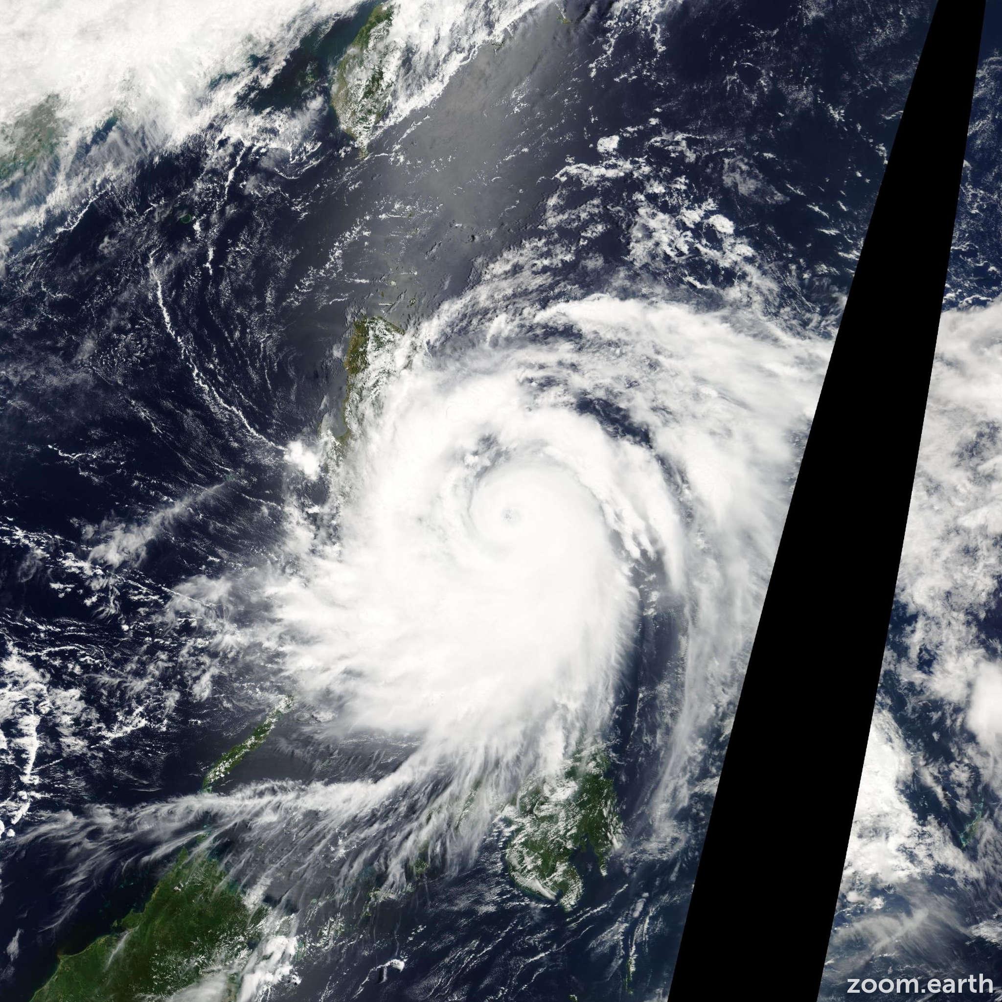 Satellite image of Typhoon Nida 2004