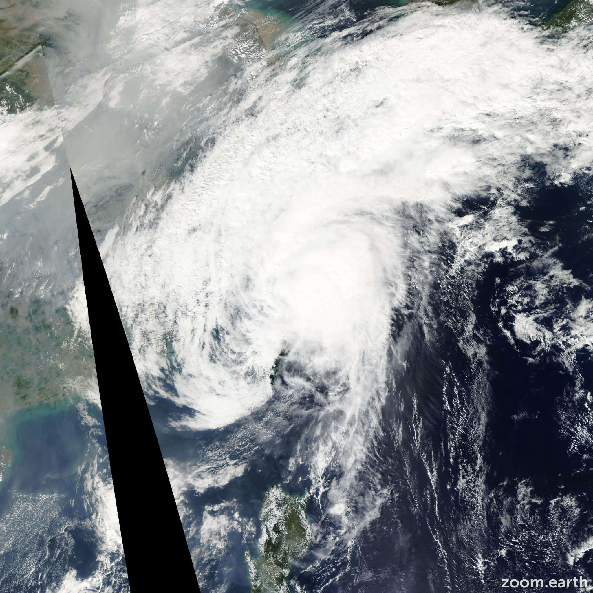 Satellite image of Typhoon Nock-Ten 2004