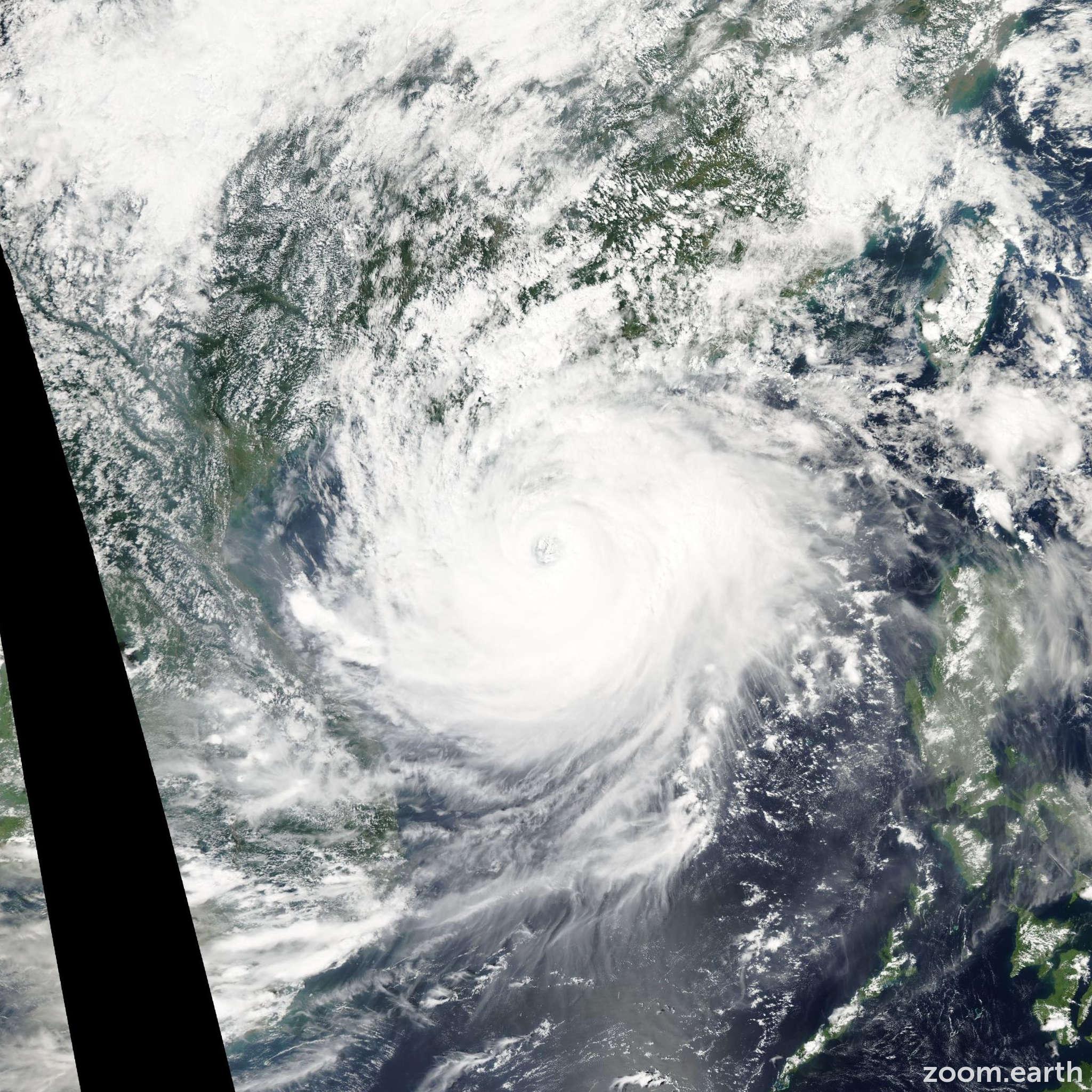 Satellite image of Typhoon Damrey 2005