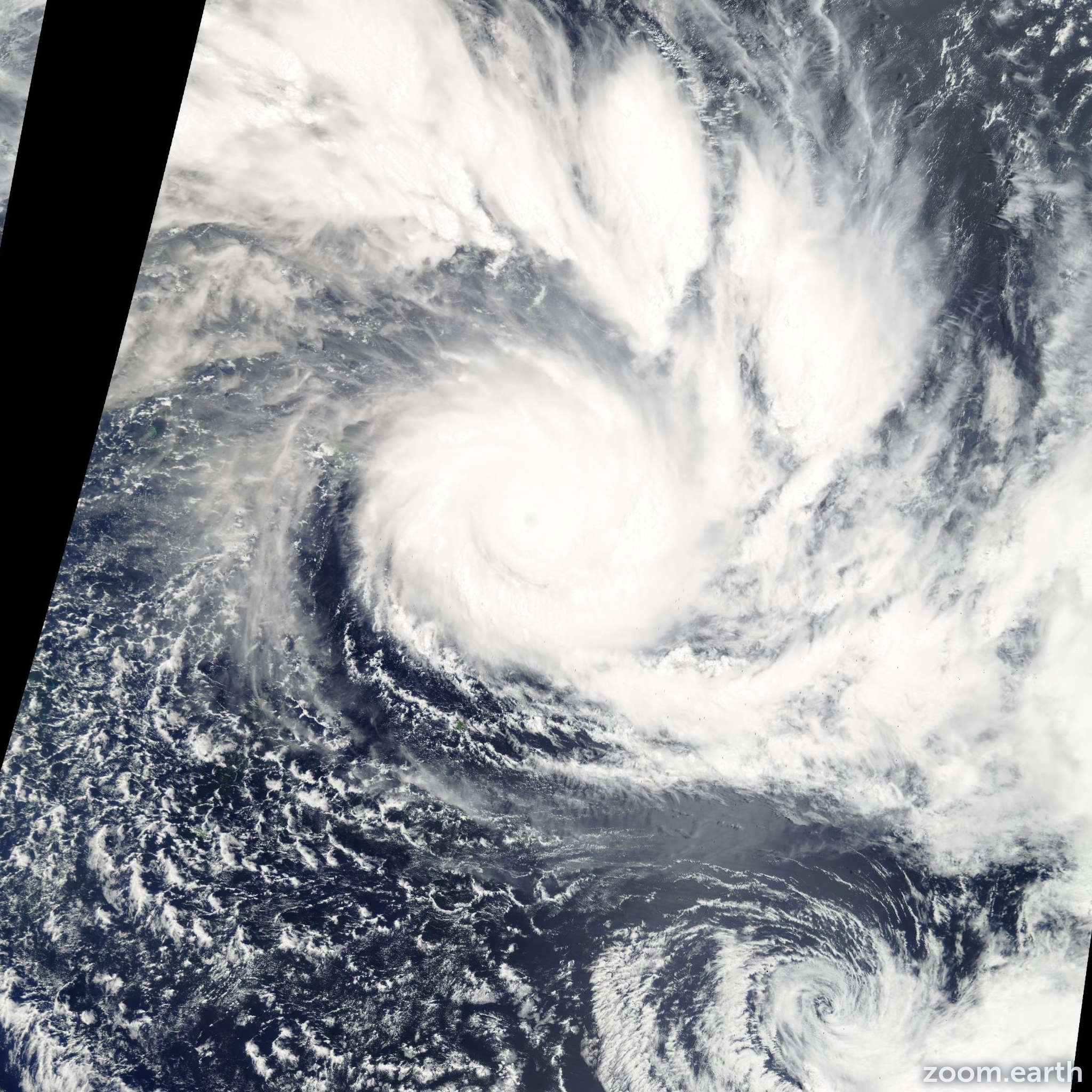 Satellite image of Cyclone Olaf 2005