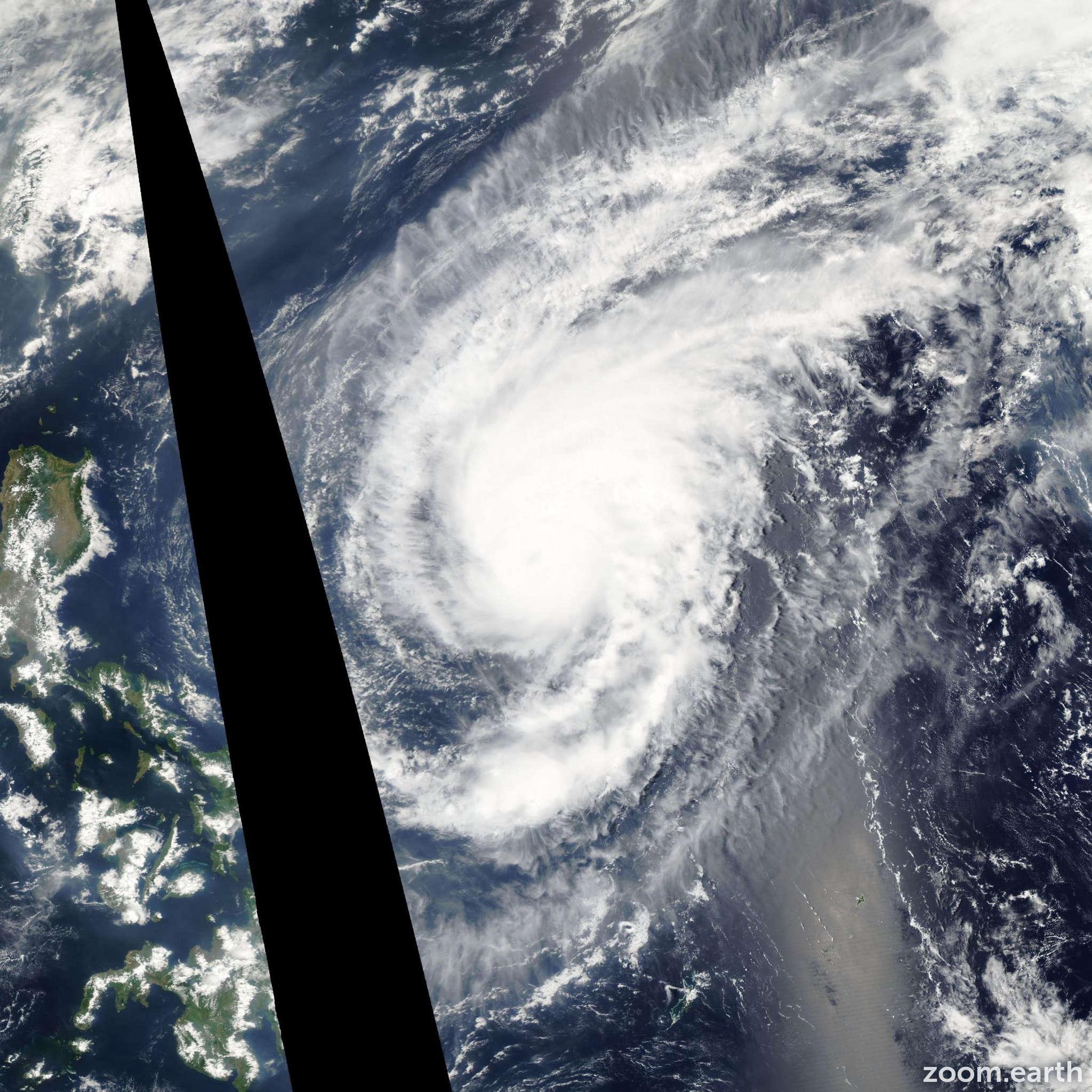 Satellite image of Typhoon Sonca 2005