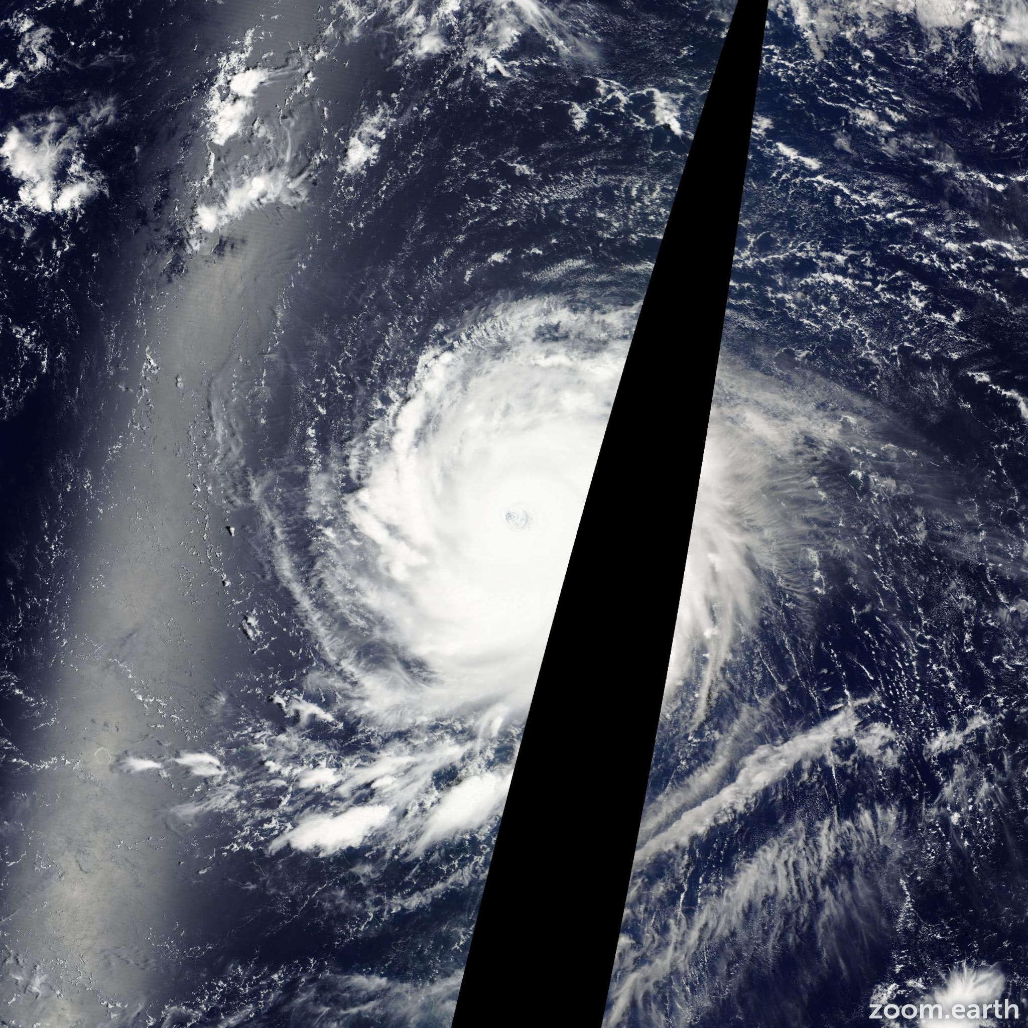 Satellite image of Typhoon Ioke 2006