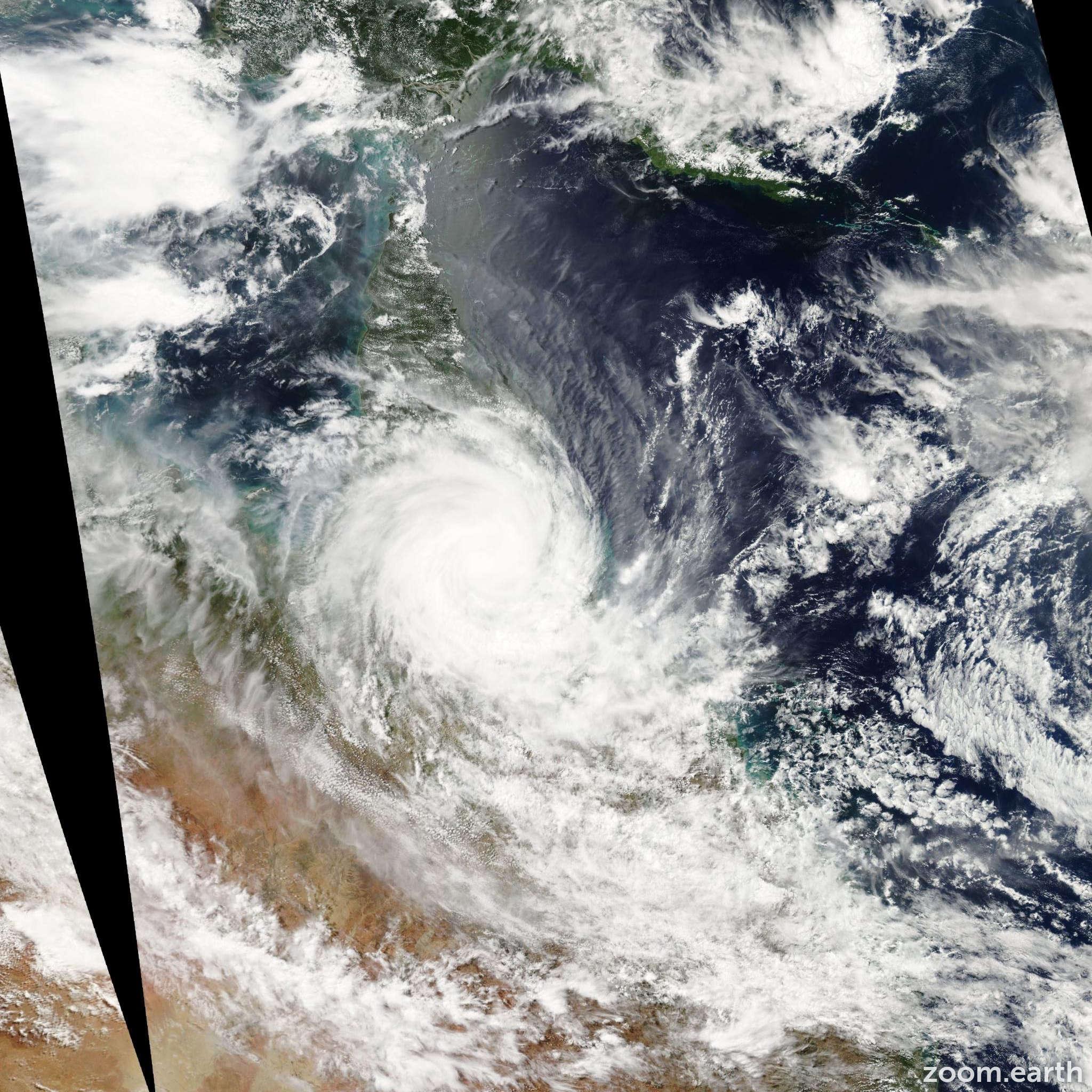 Satellite image of Cyclone Larry 2006