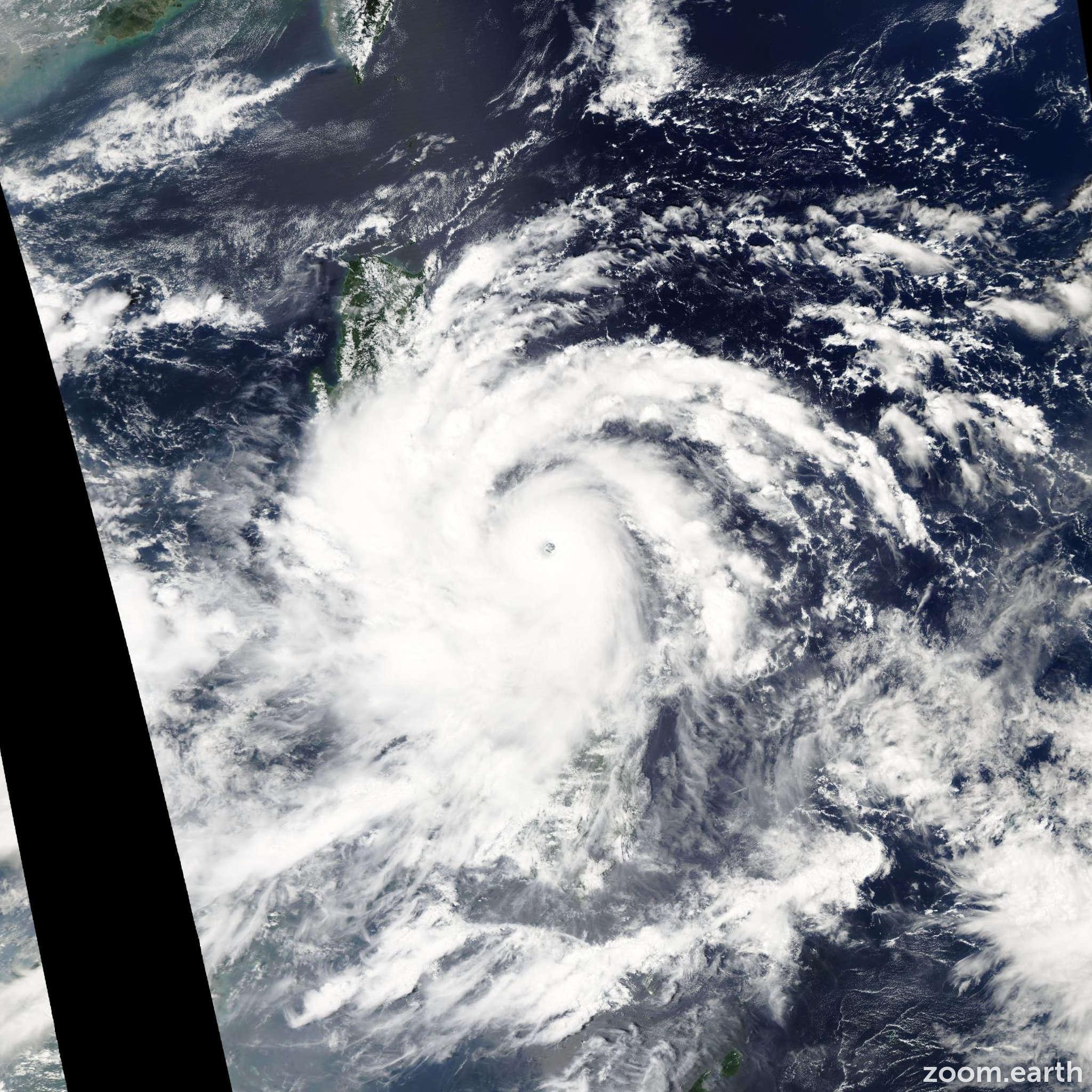 Satellite image of Typhoon Xangsane 2006