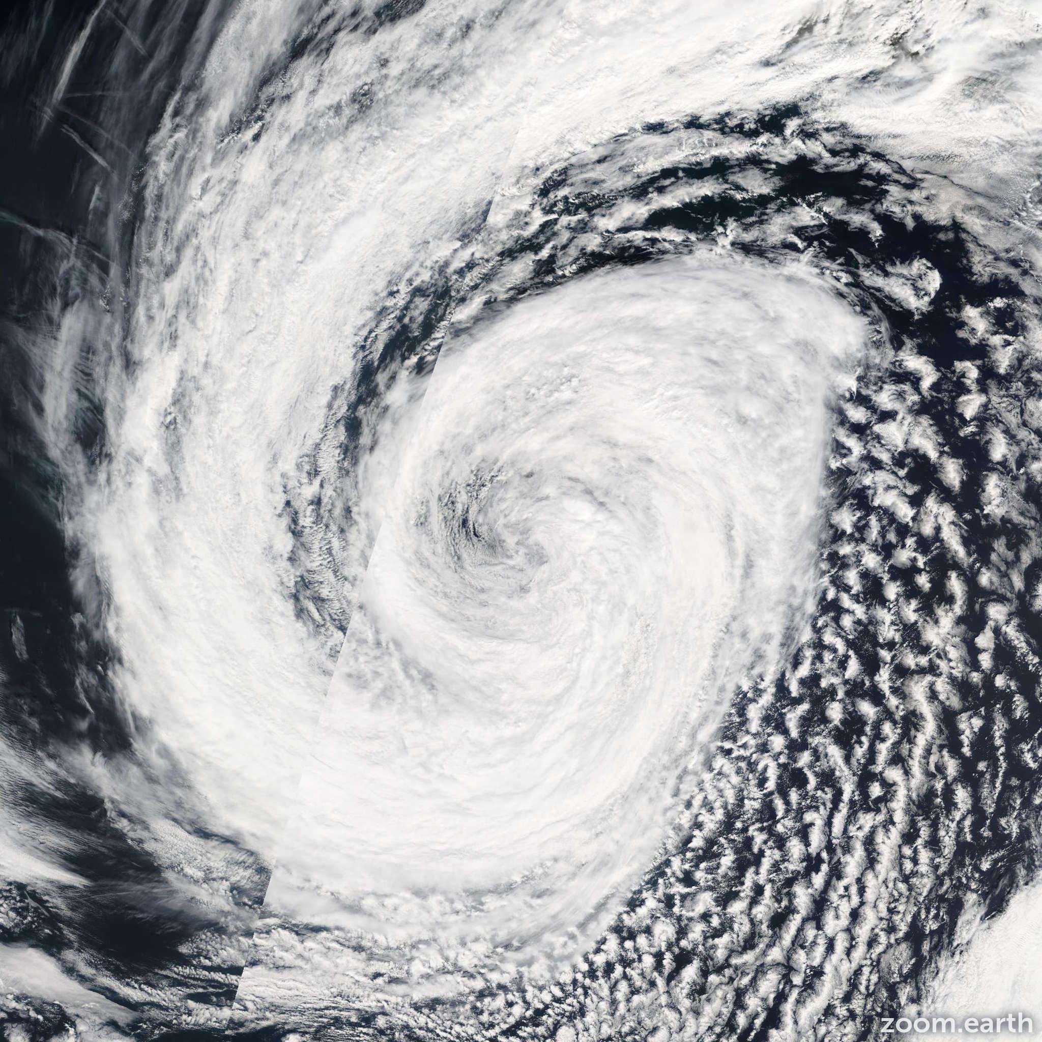 Satellite image of Storm Chantal 2007