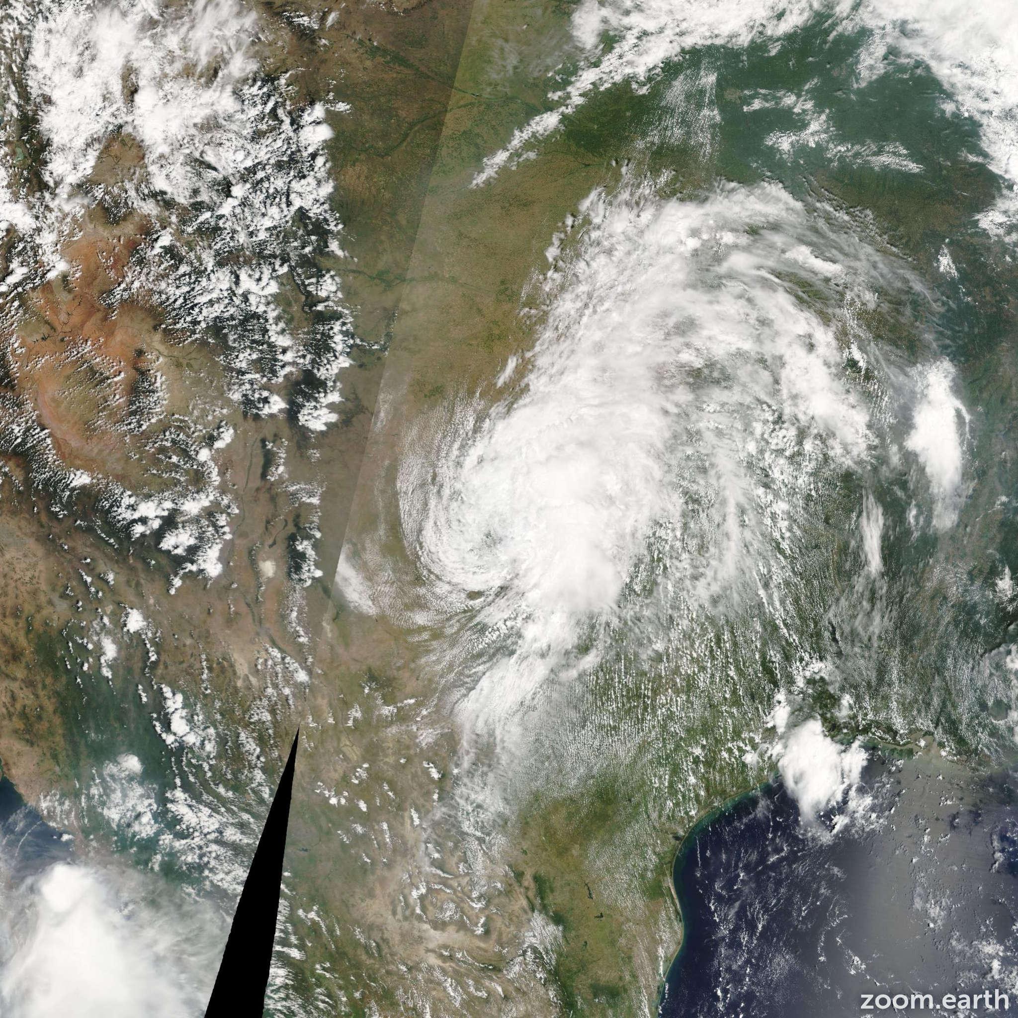 Satellite image of Storm Erin 2007