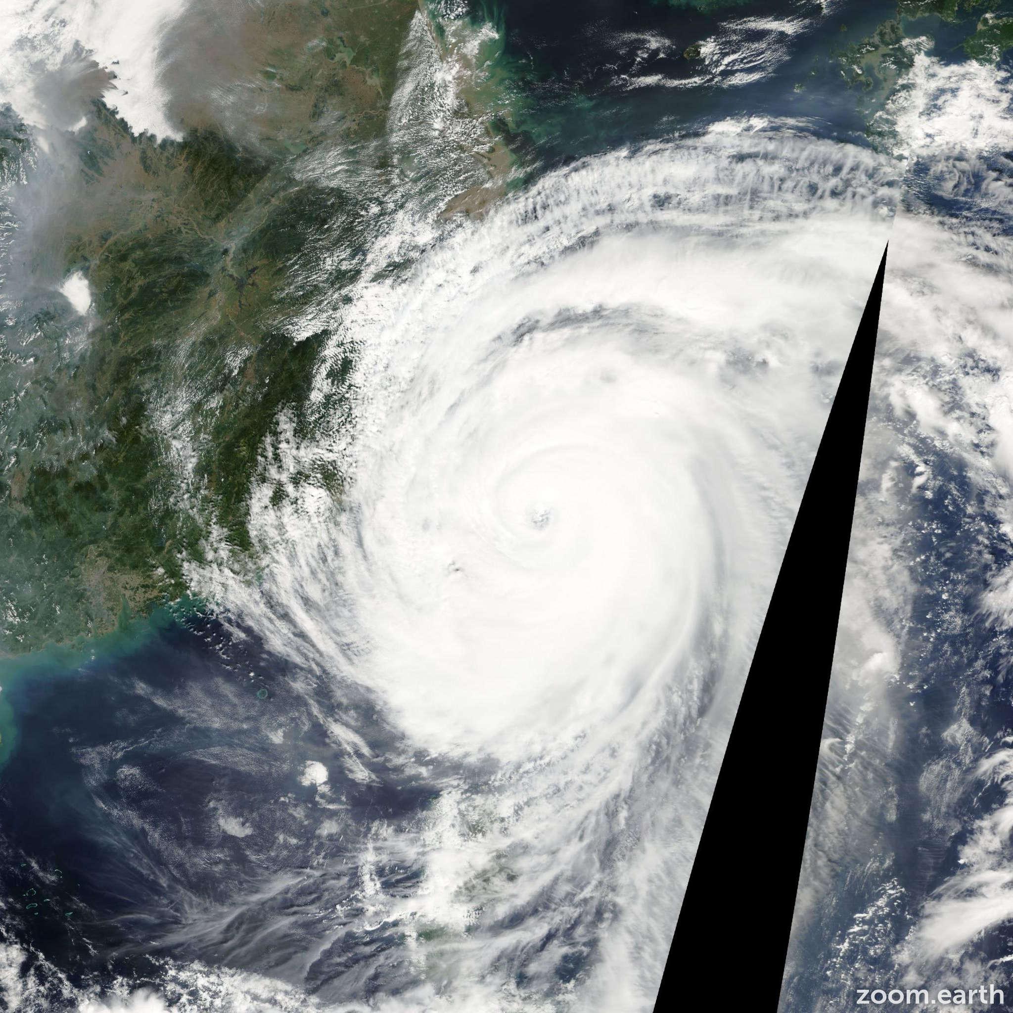Satellite image of Typhoon Krosa 2007