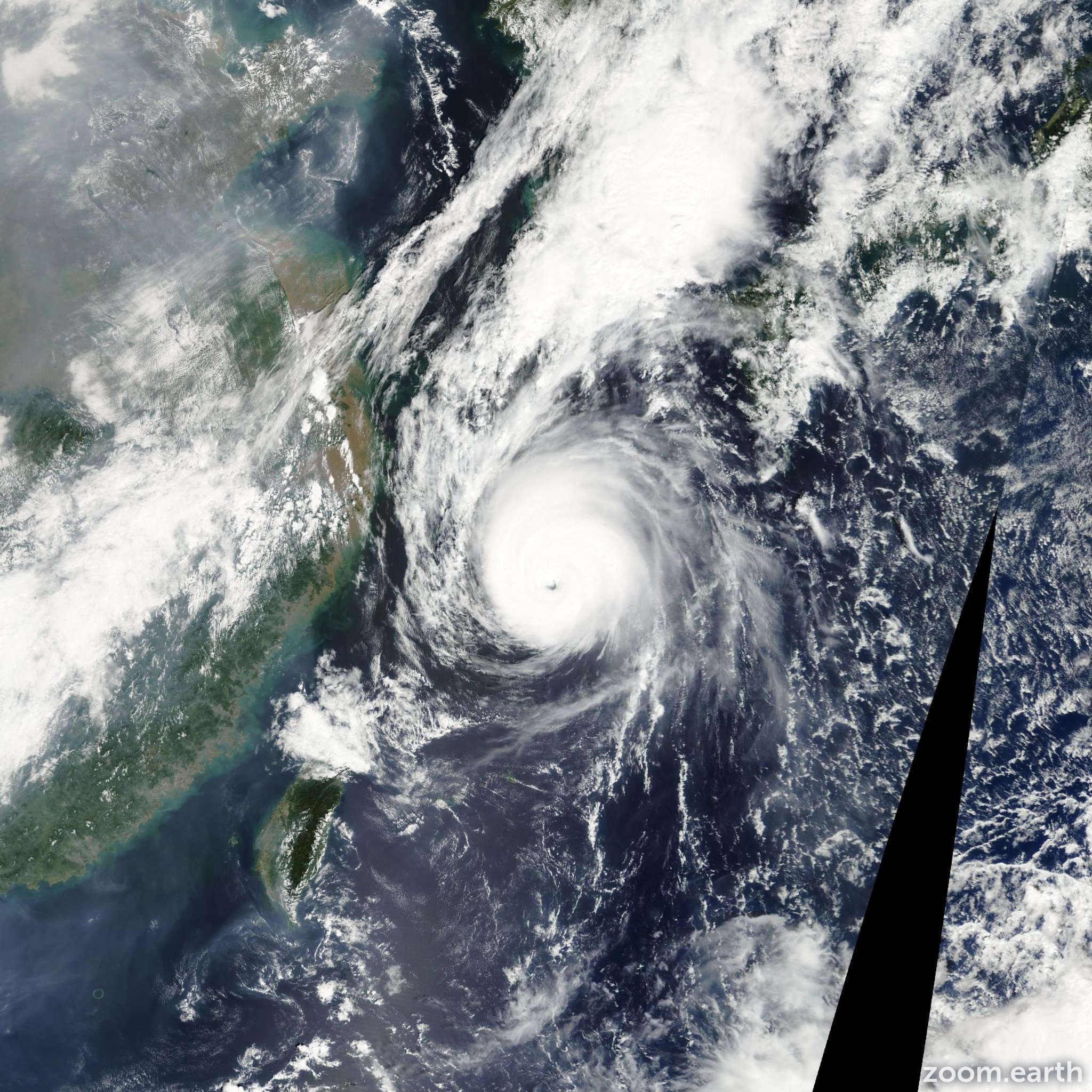 Satellite image of Typhoon Nari 2007