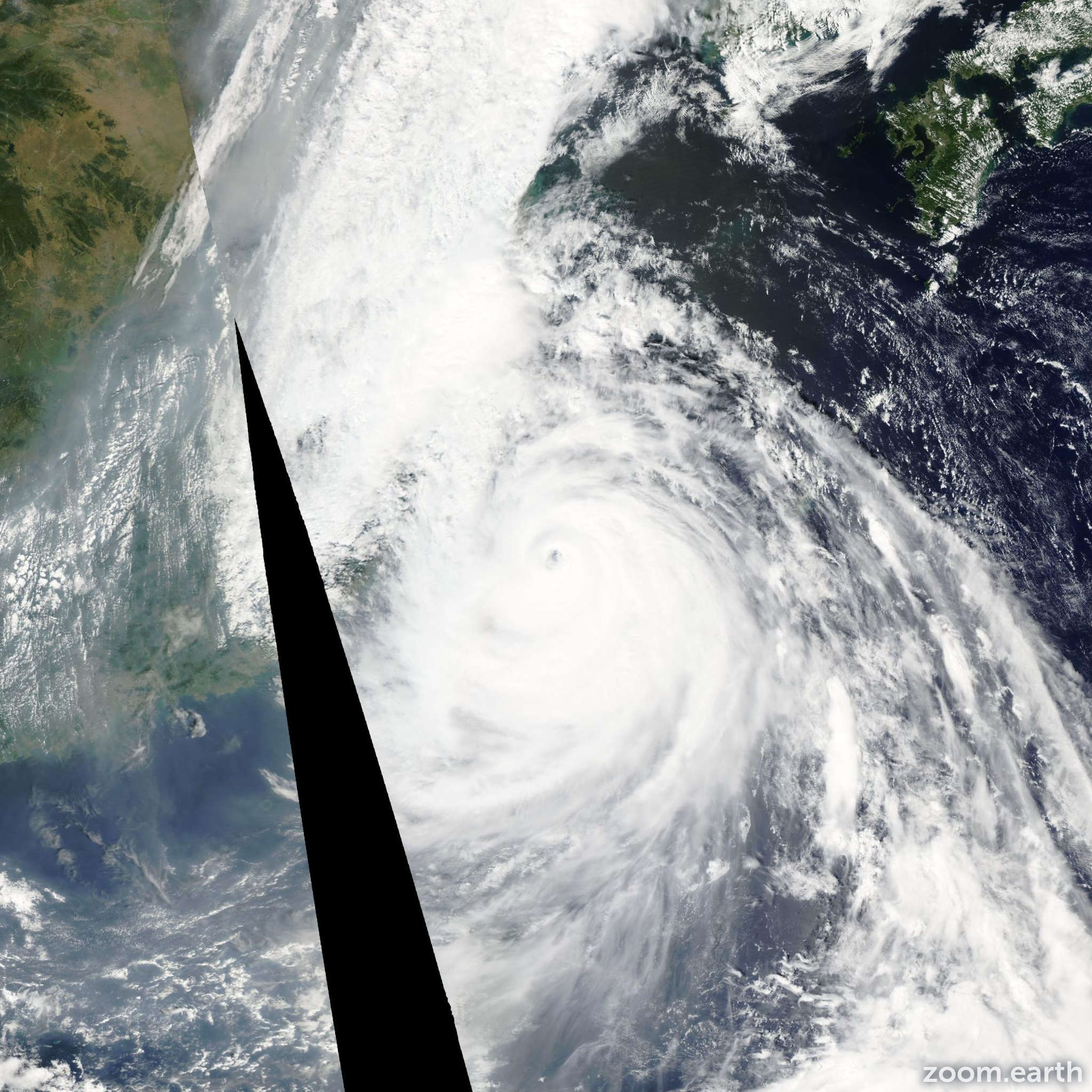 Satellite image of Typhoon Wipha 2007