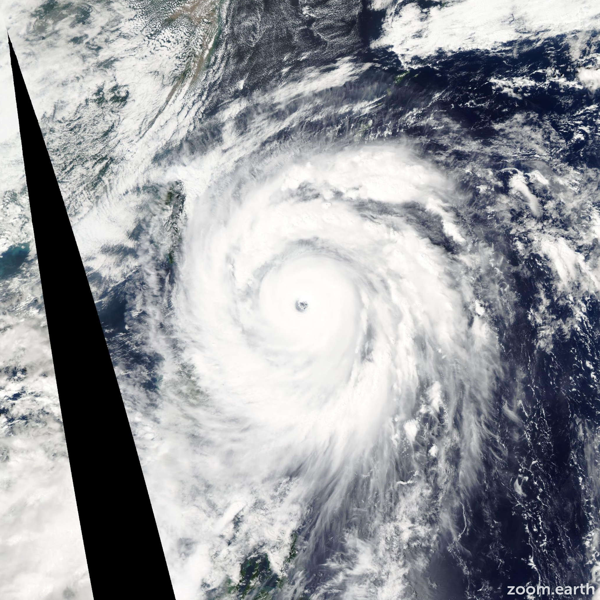 Satellite image of Typhoon Jangmi 2008