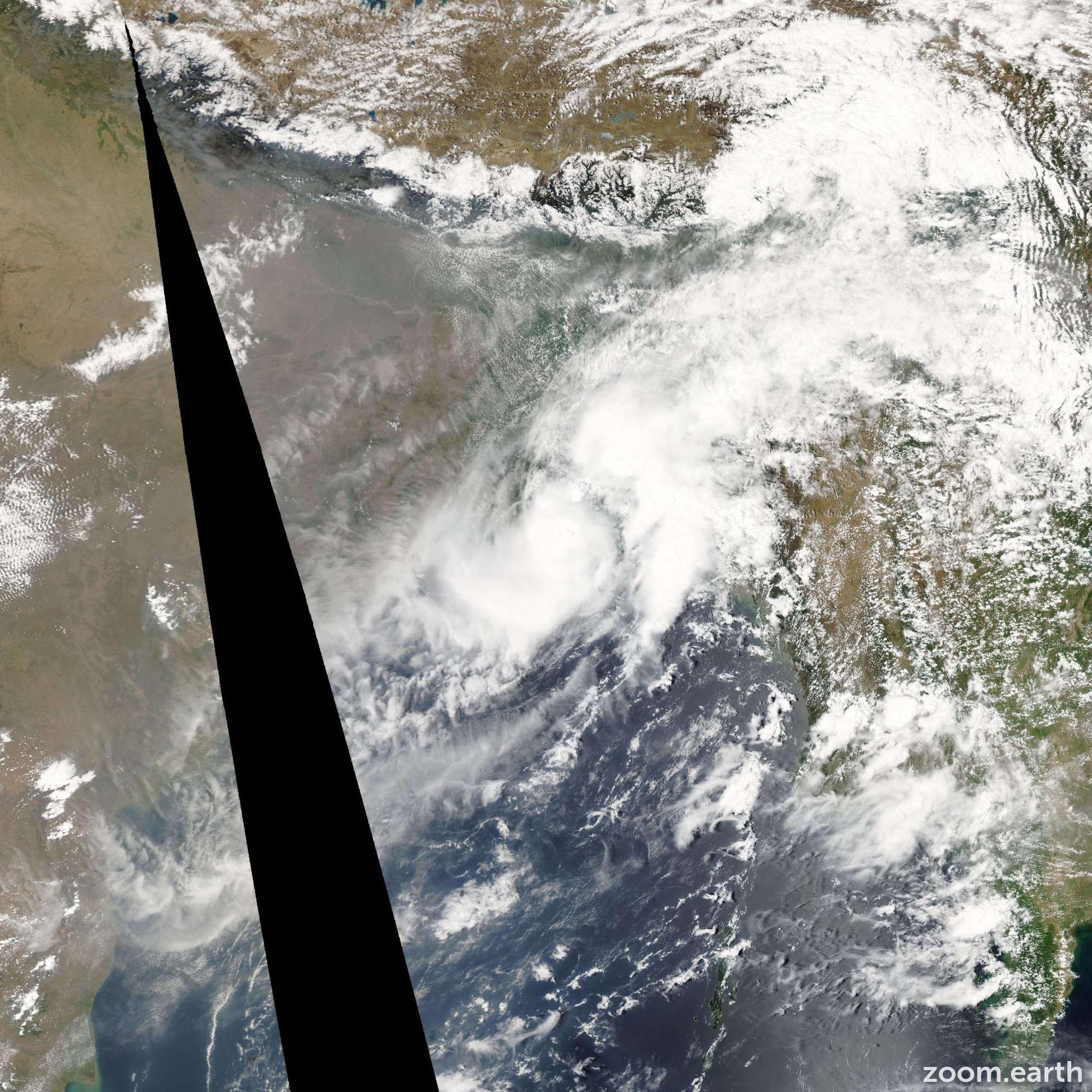 Satellite image of Cyclone Bijli 2009